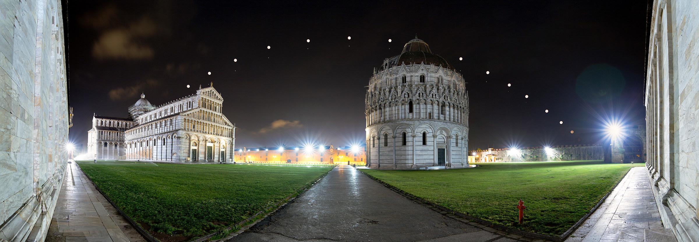 Luna e Saturno su Piazza dei Miracoli...