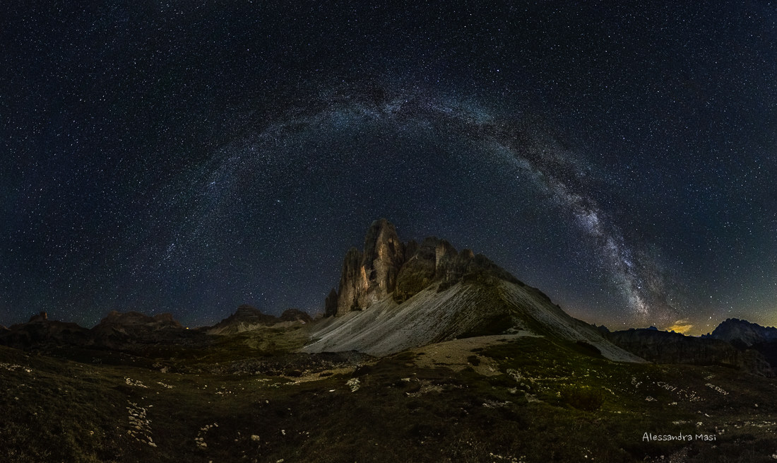 Galactic arch over the Three Peaks...