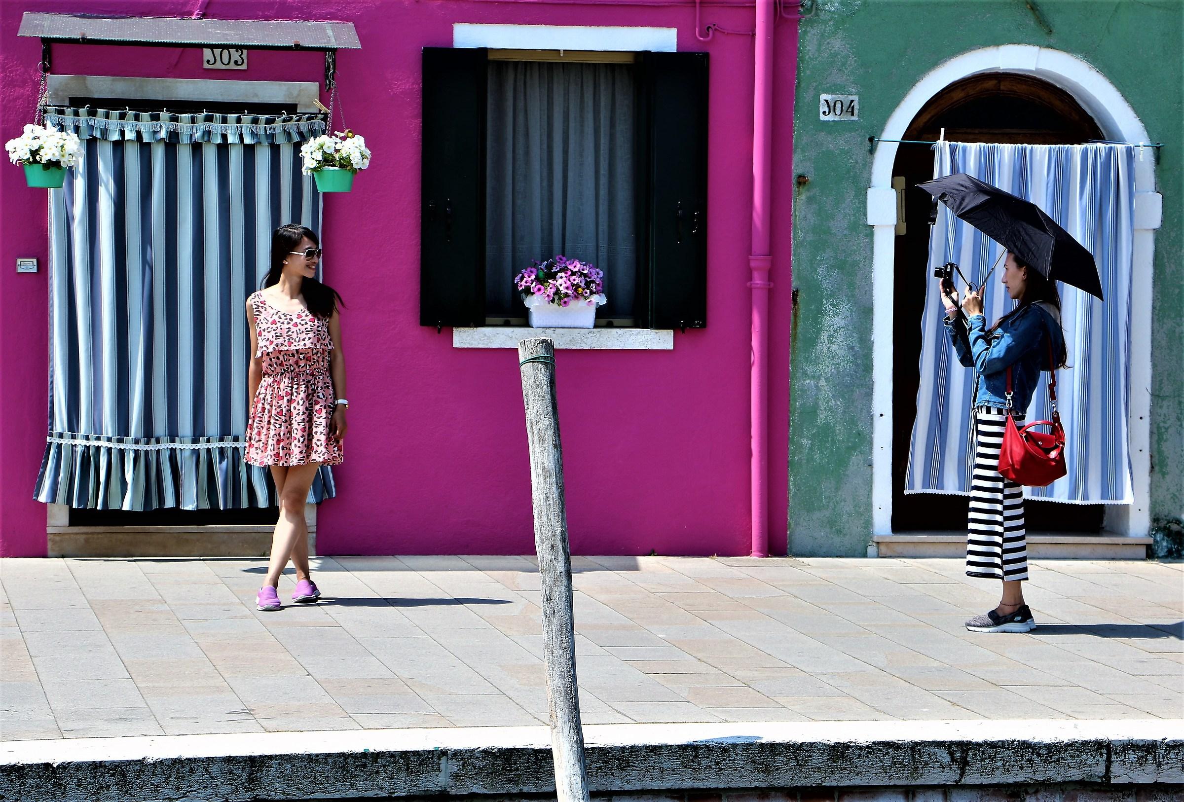 Street in Burano .... not to believe (1)...