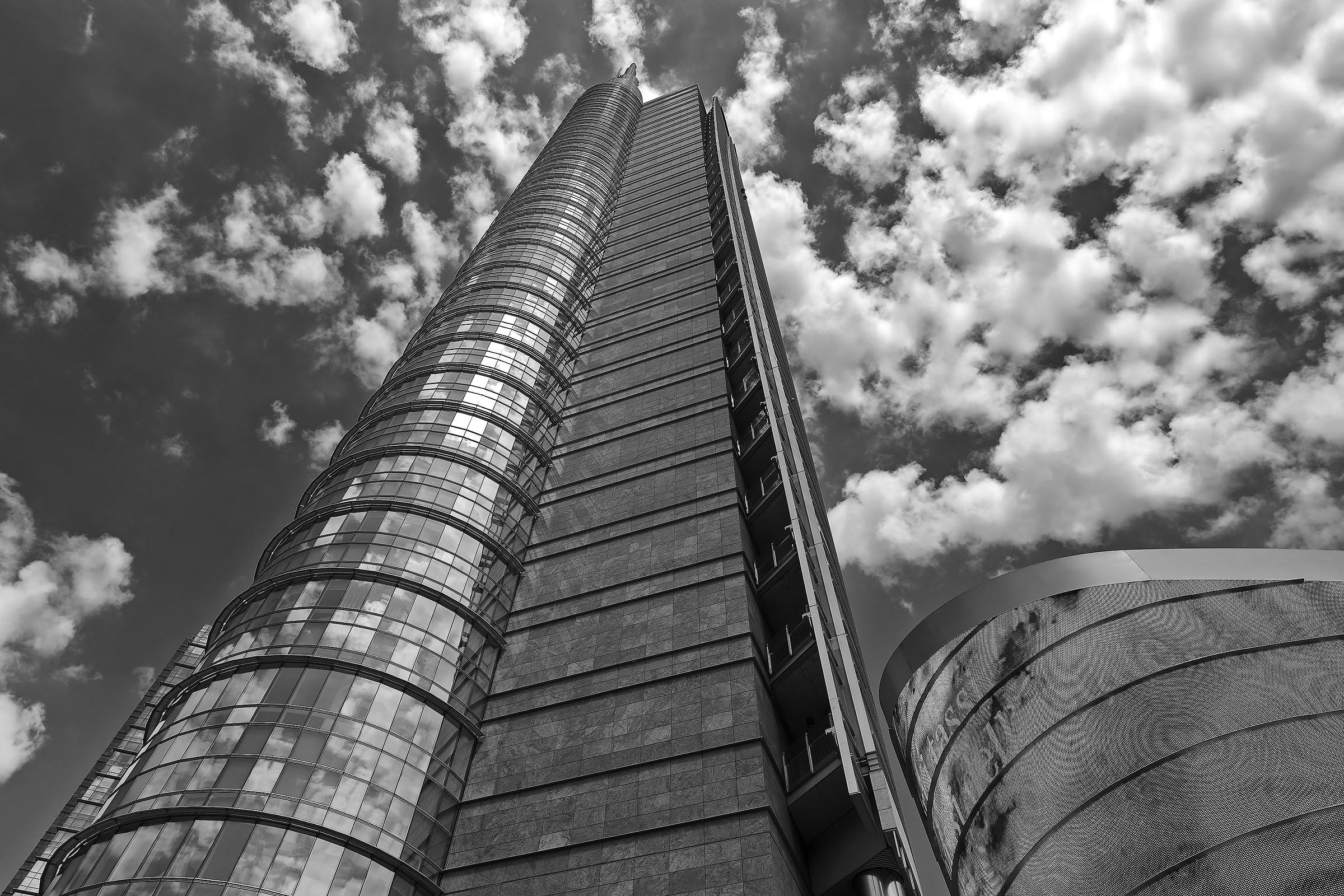 The ramp towards the sky version BN...
