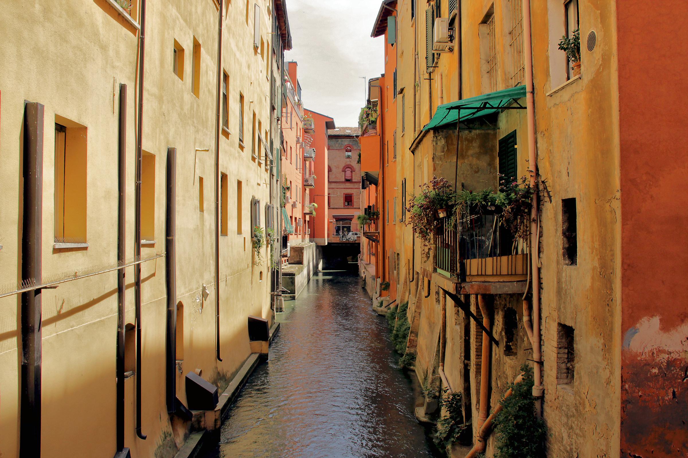 """""""La Piccola Venezia"""" in Bologna..."""