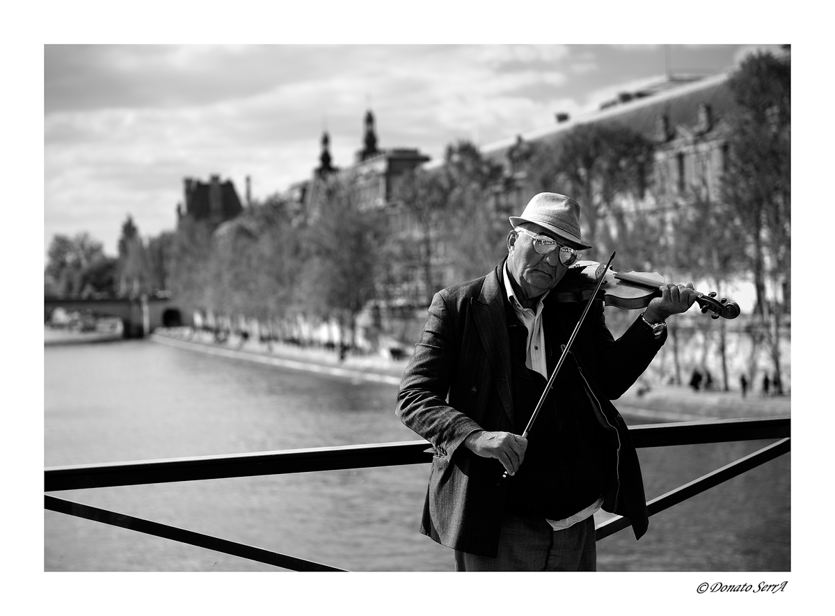 Musician on the Pont des Arts...
