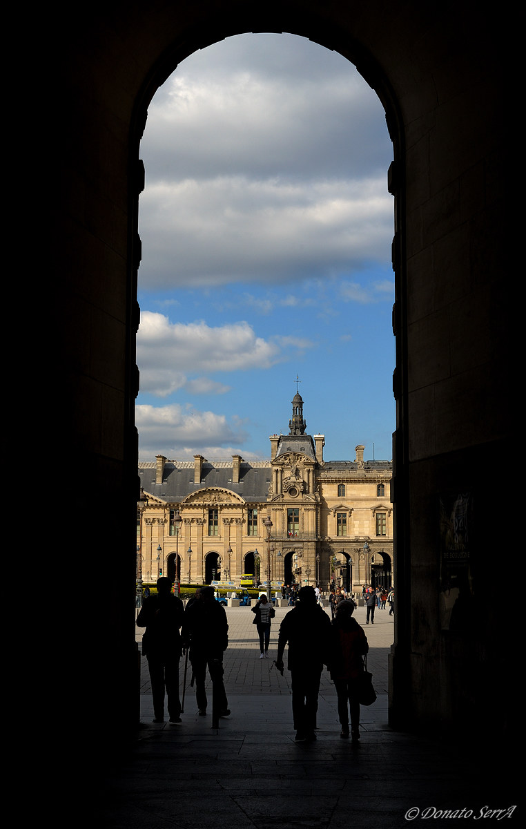 A door to the Louvre...