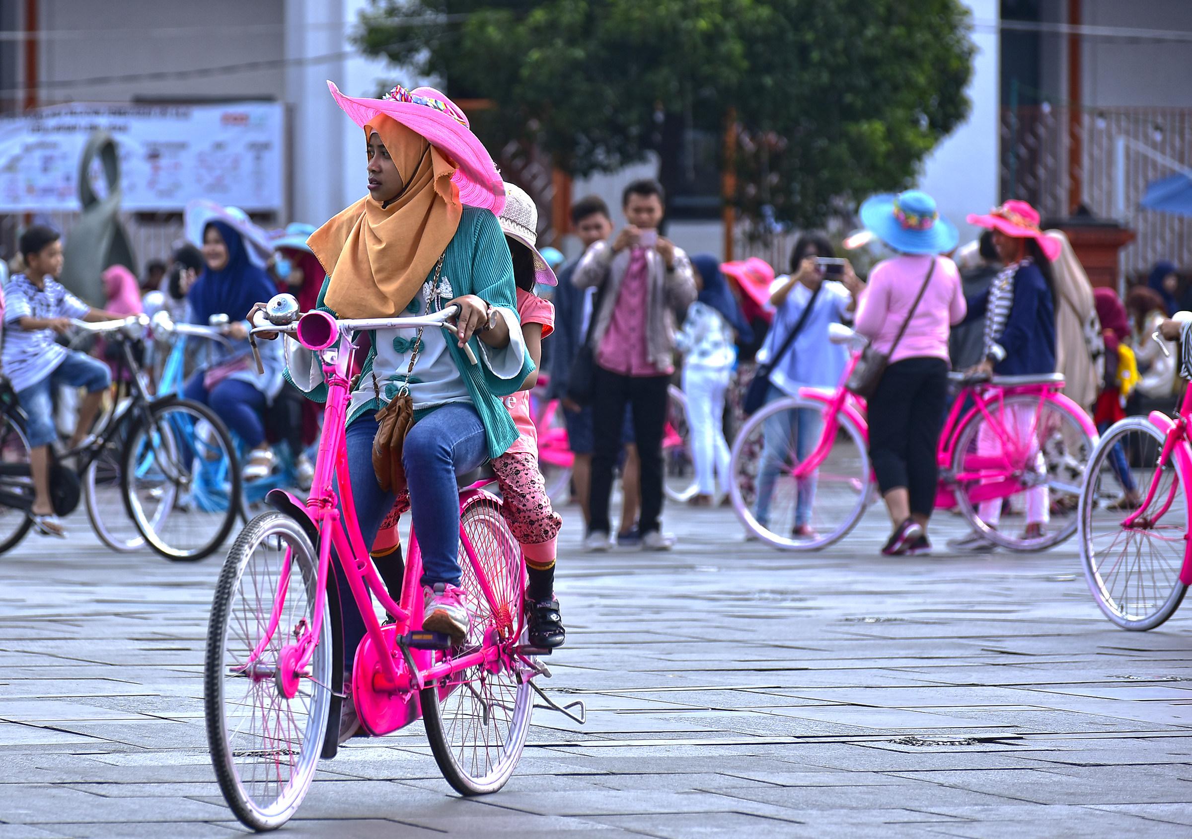In bicicletta a Kota Tua-Jakarta...