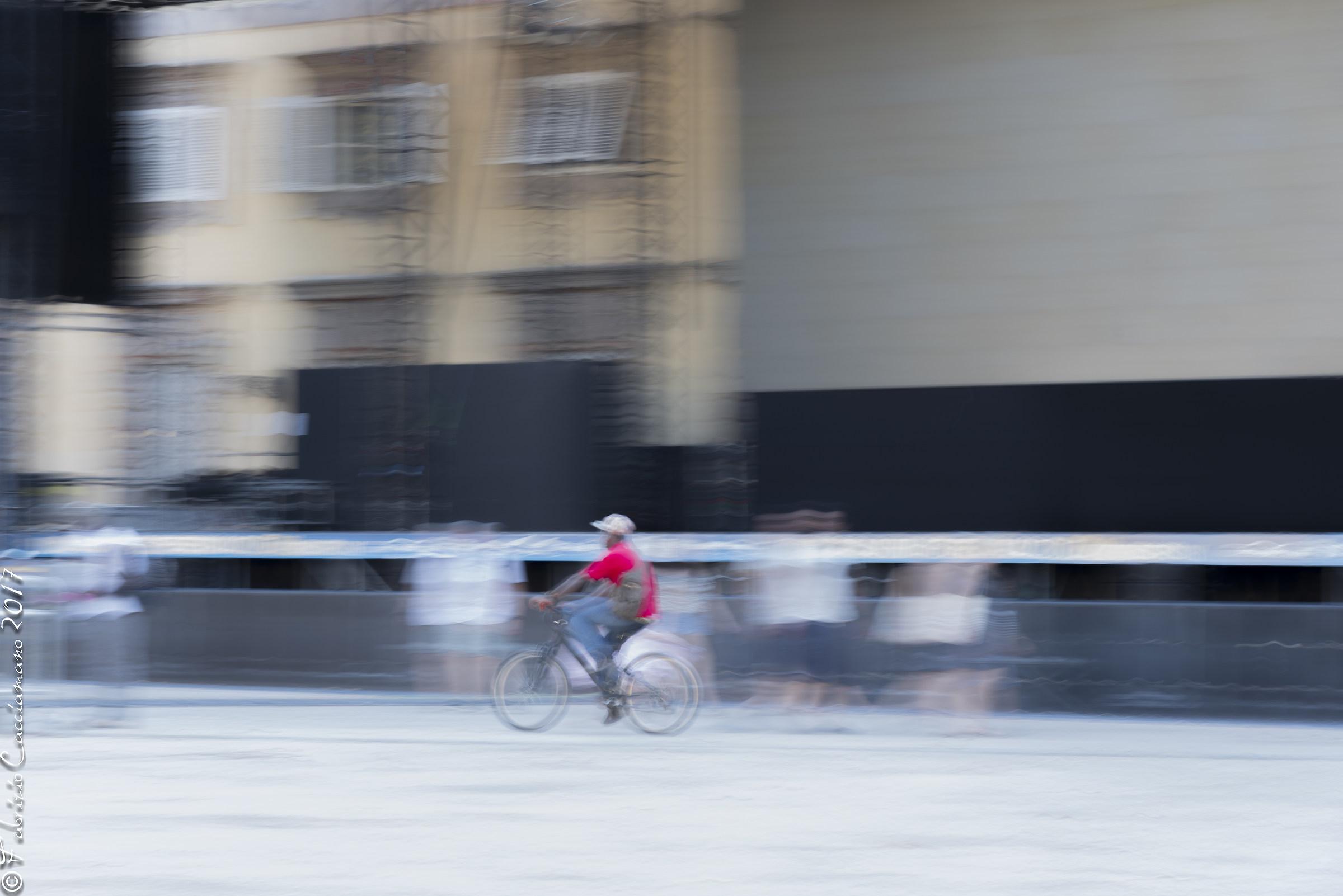 Passaggio veloce in bici...