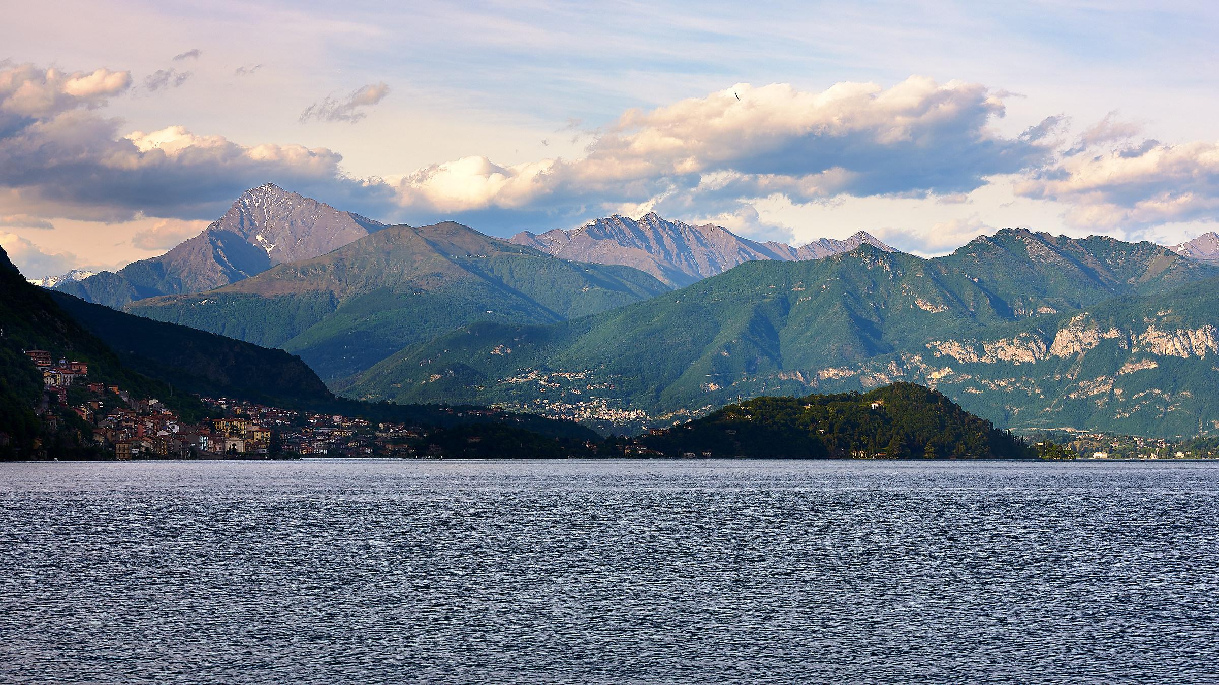 L'altro ramo del lago di Como......