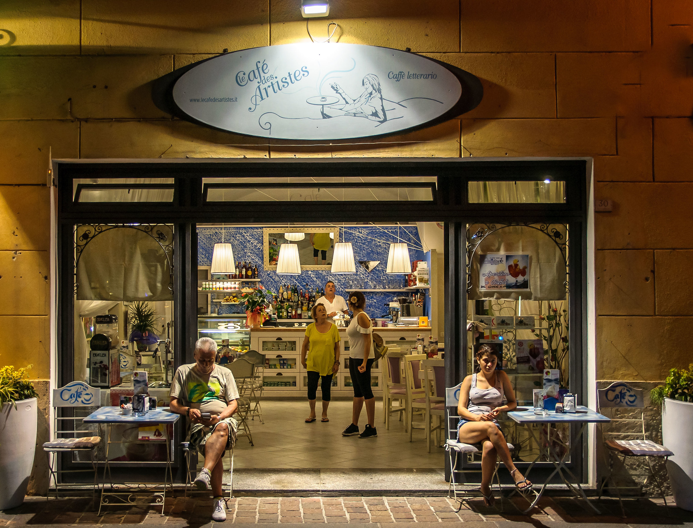 The cafés des artistes...