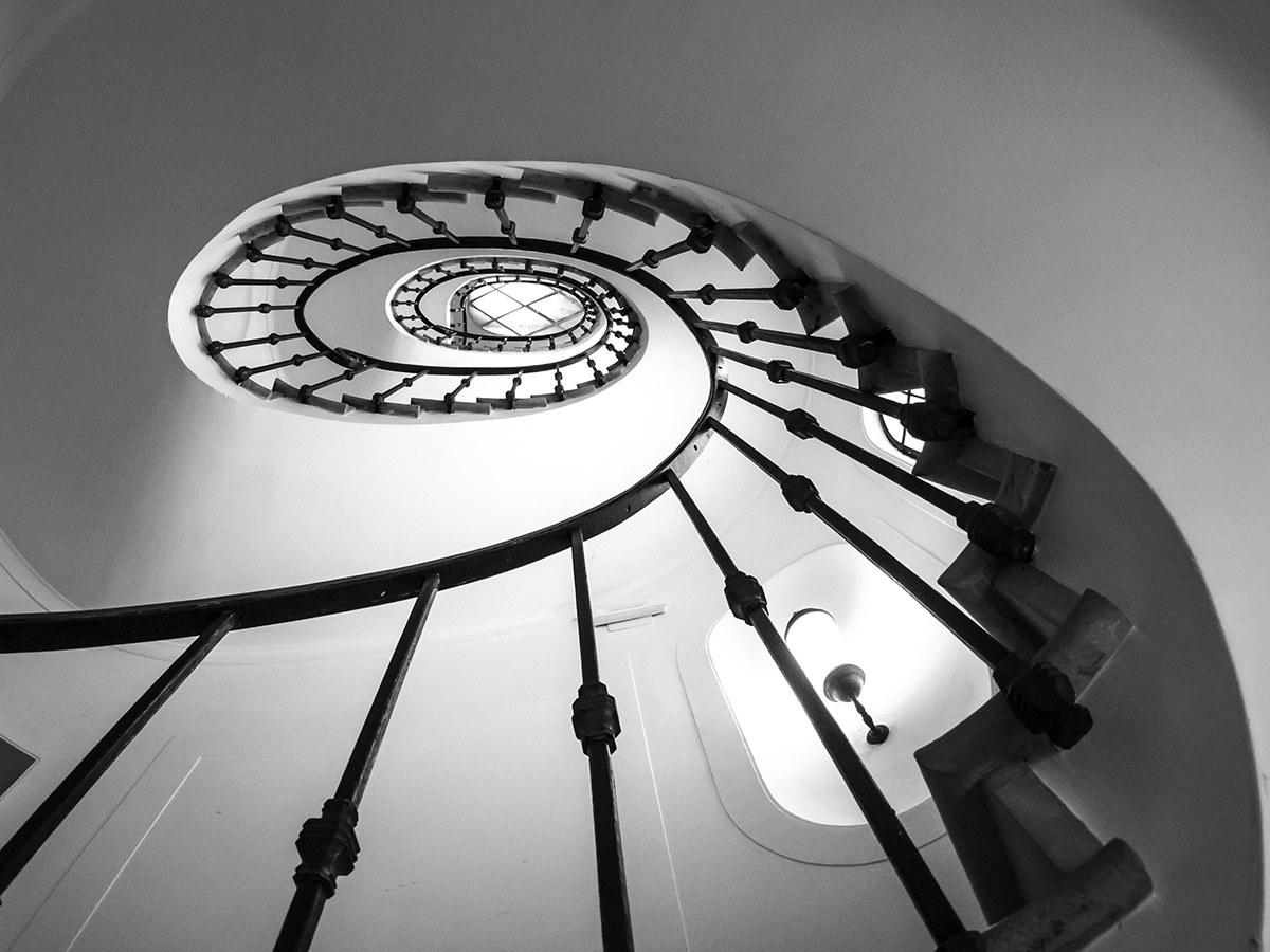 Spirale aurea: scala ovale di Tomaso Buzzi...