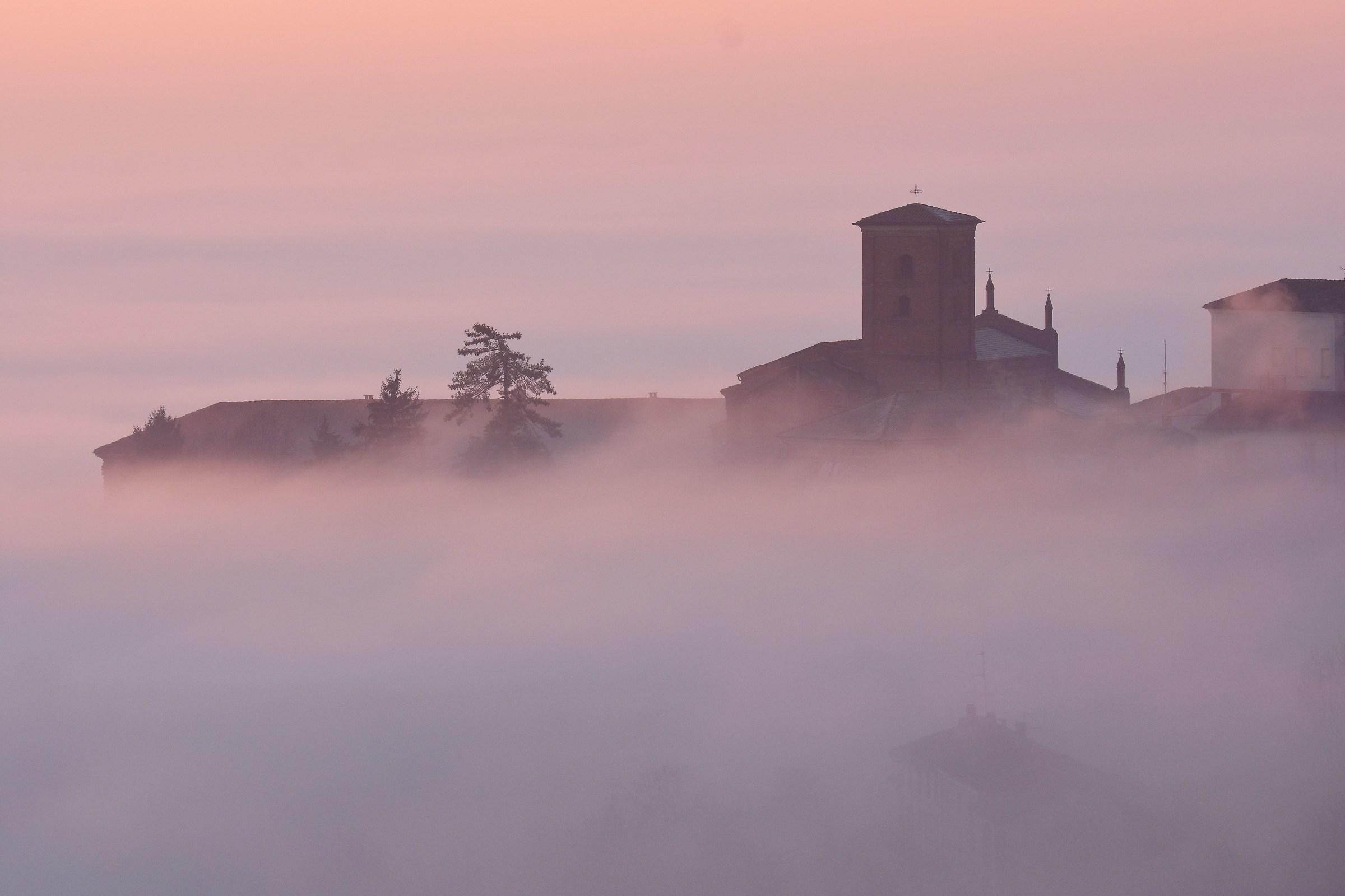 Chiesa dell'Addolorata nella nebbia...