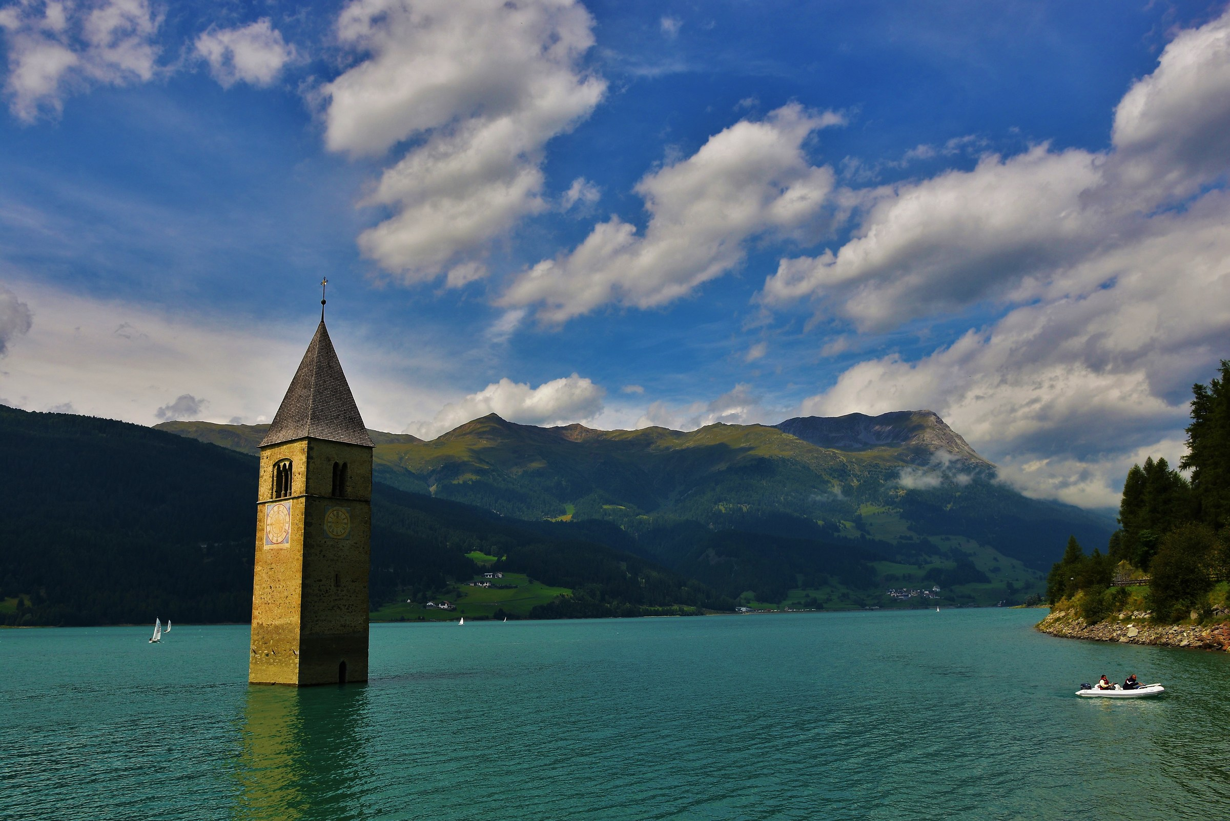 Curon Venosta (the submerged bell tower)....