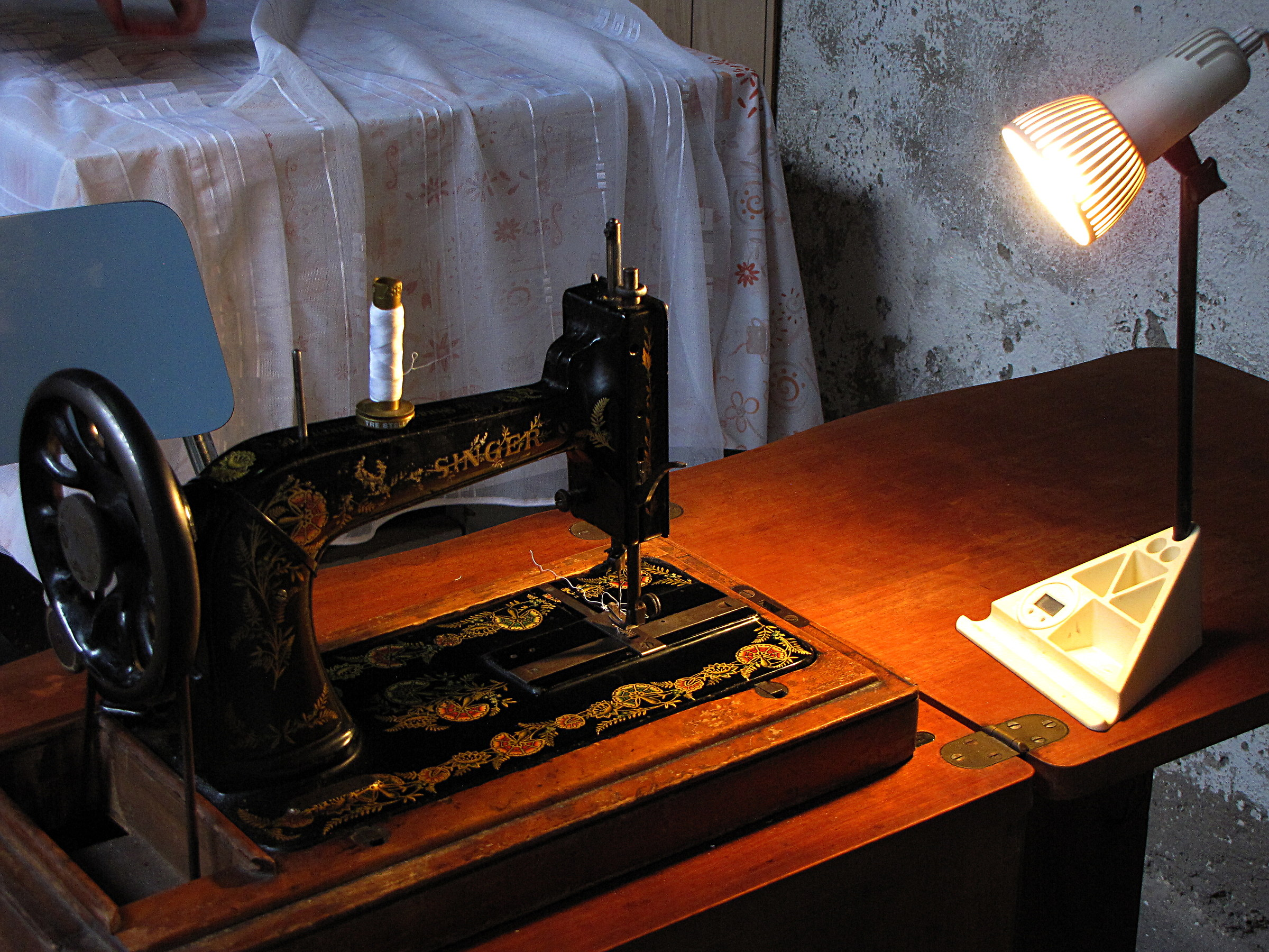 The lamp and the sewing machine...
