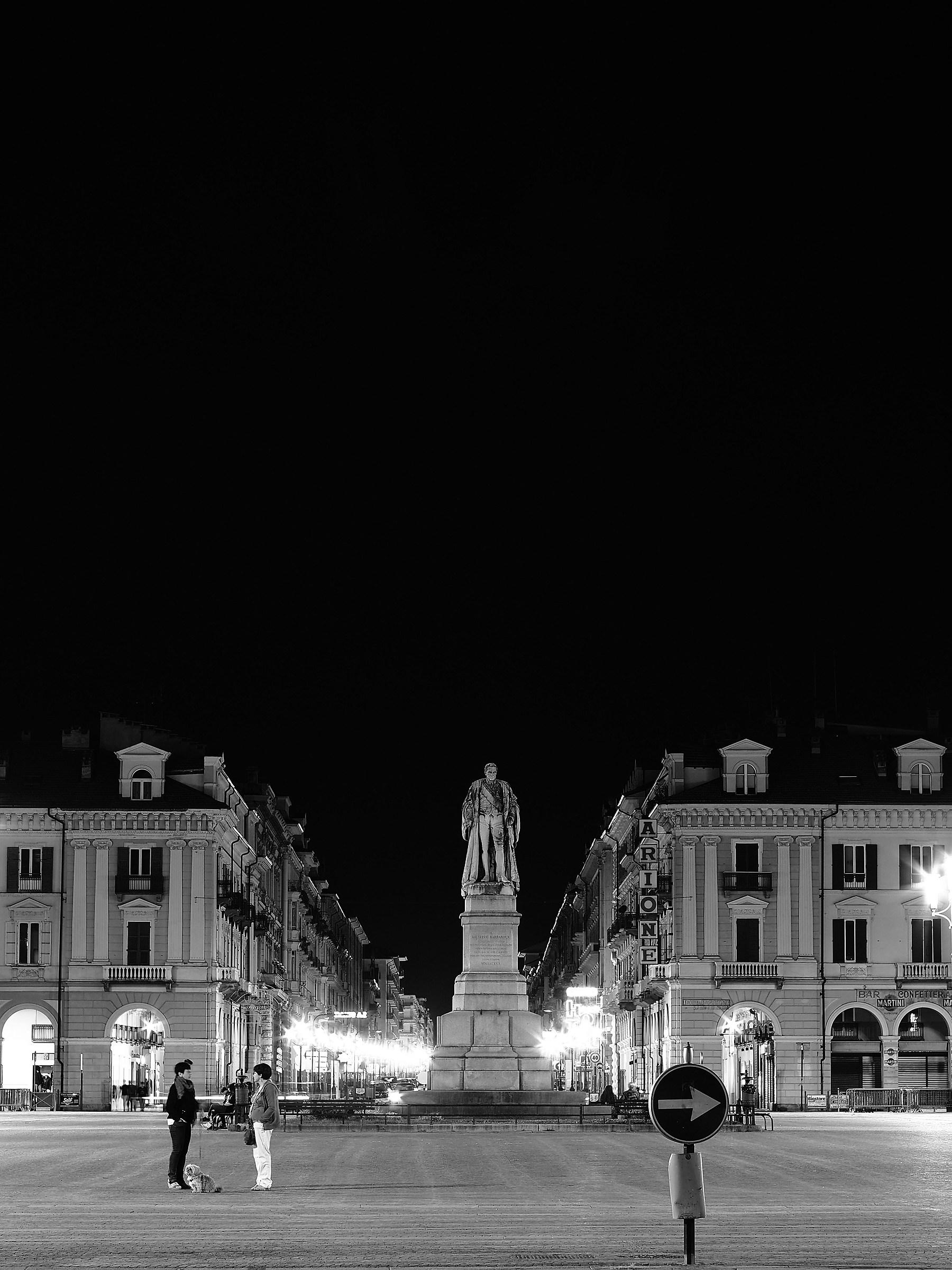 Cuneo - cielo nero su piazza Galimberti...