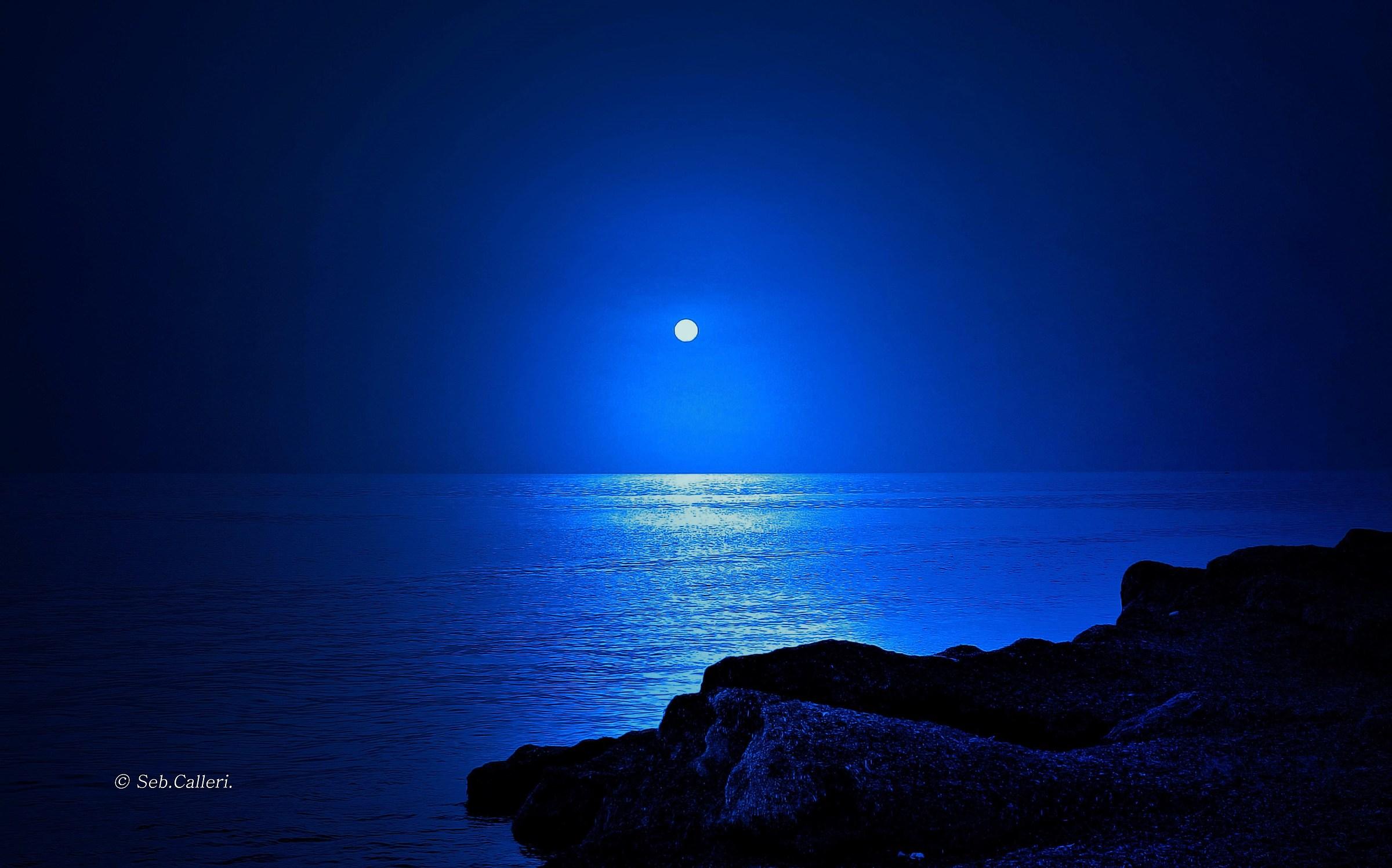 Night in the moonlight...