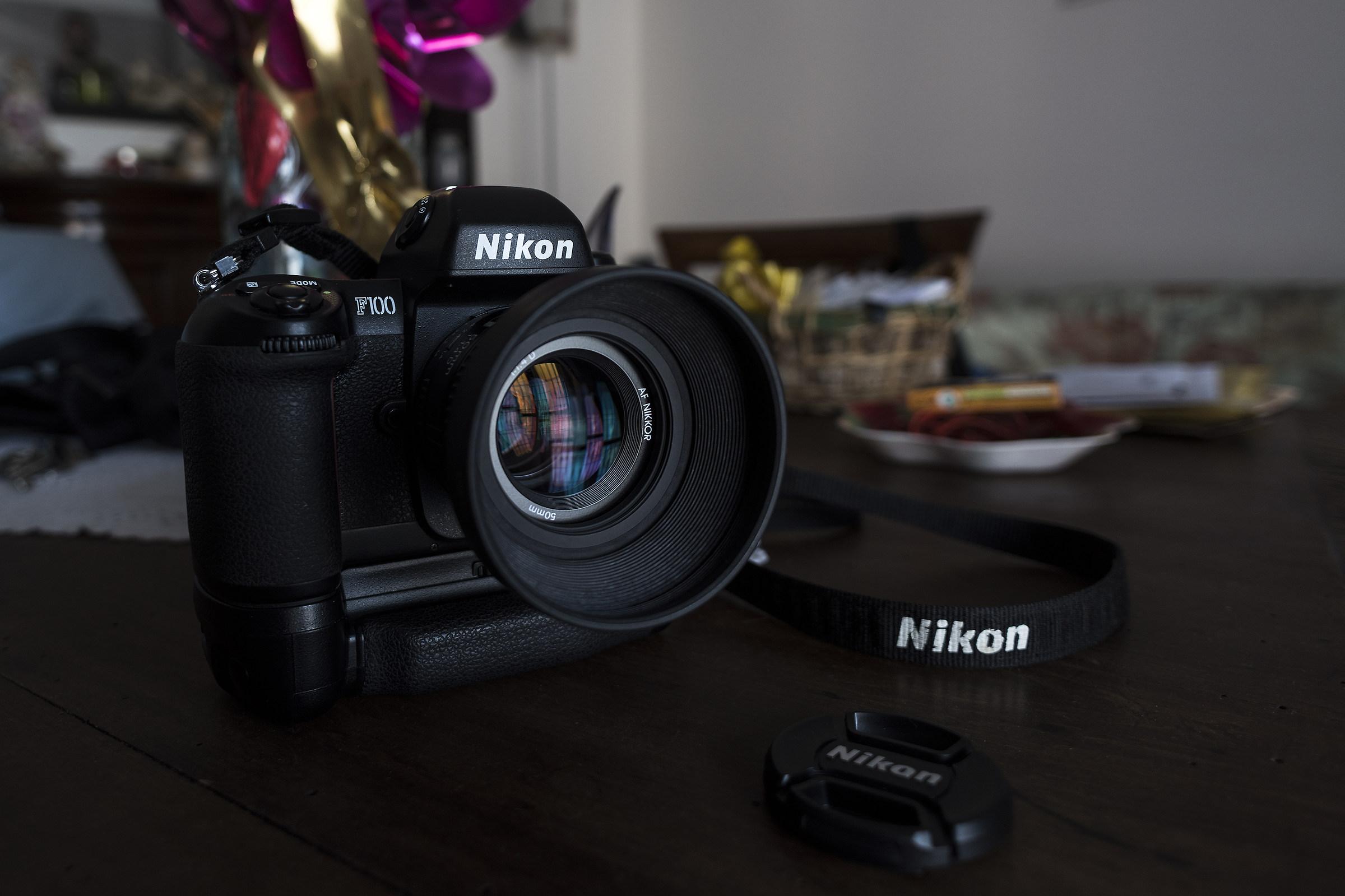 Nikon f100...