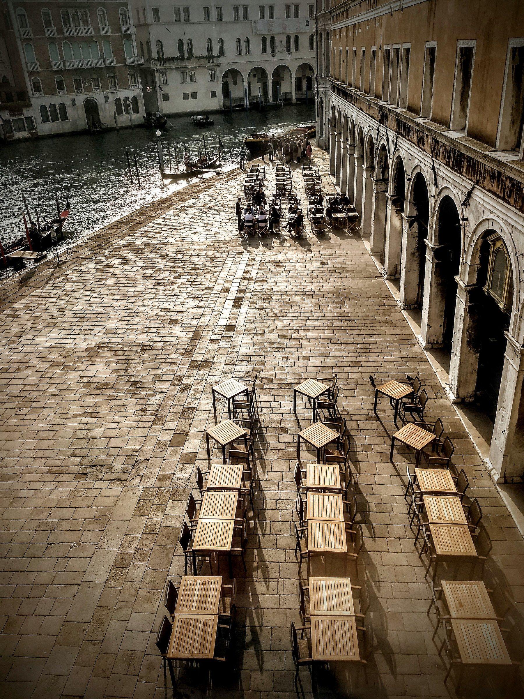 Venetian Convergences...