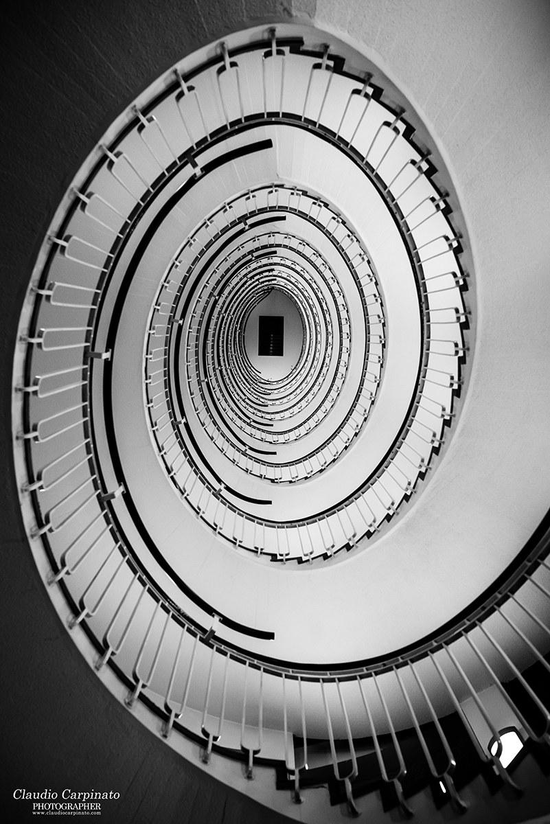 Hypnotic Perspective (Prospettiva Ipnotica)...