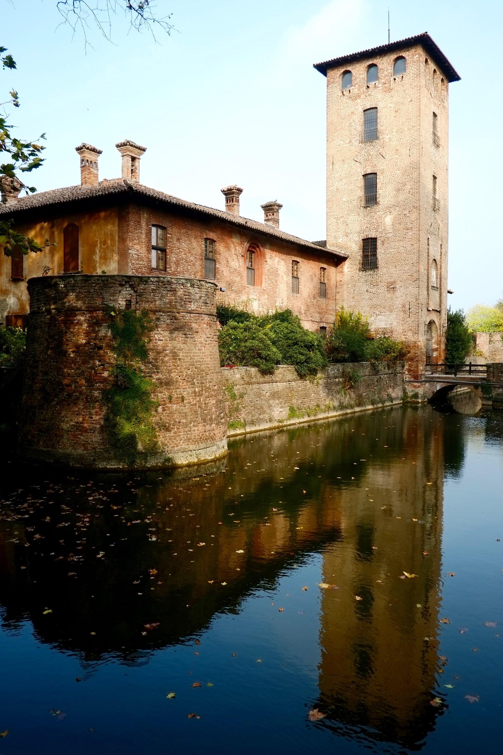 Mirazzano: Visconteo Castle...