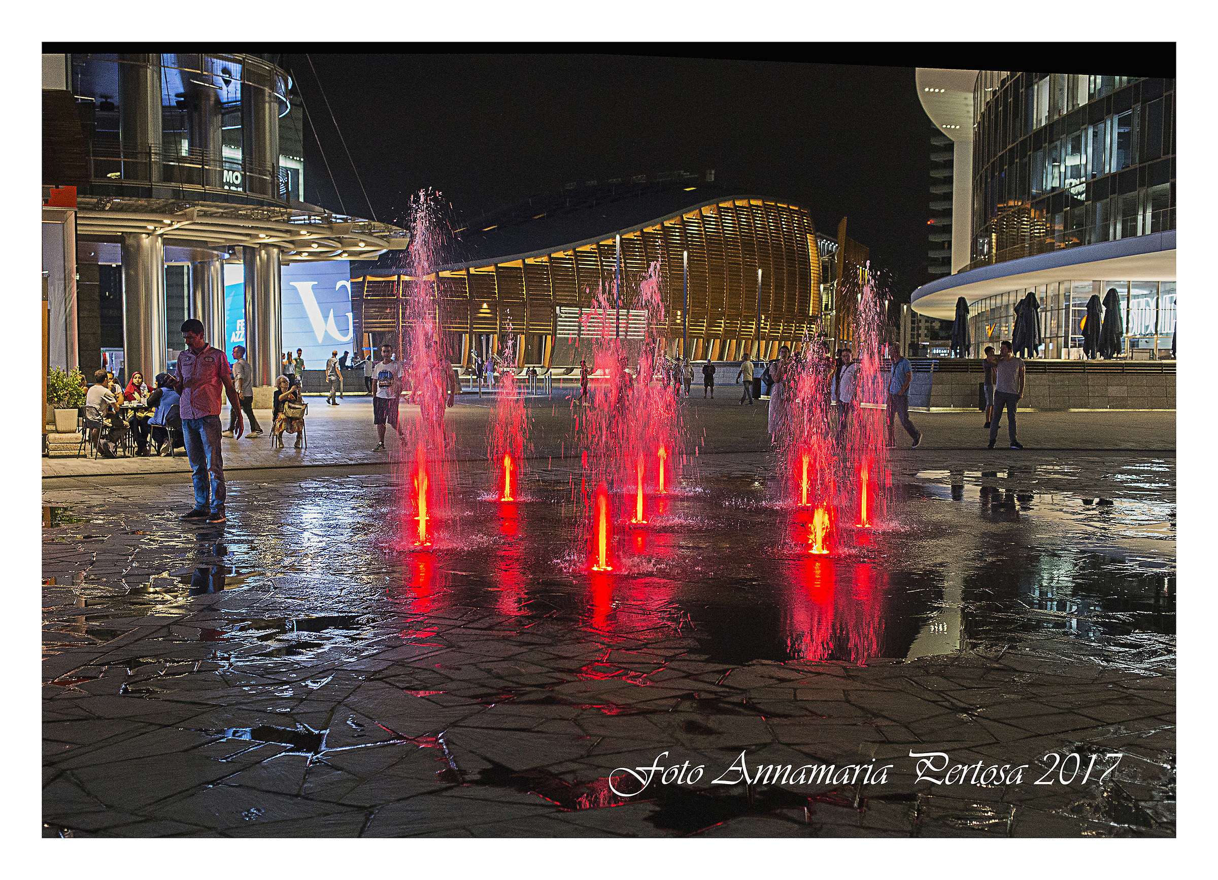 The fountains of Piazza Gae Aulenti...