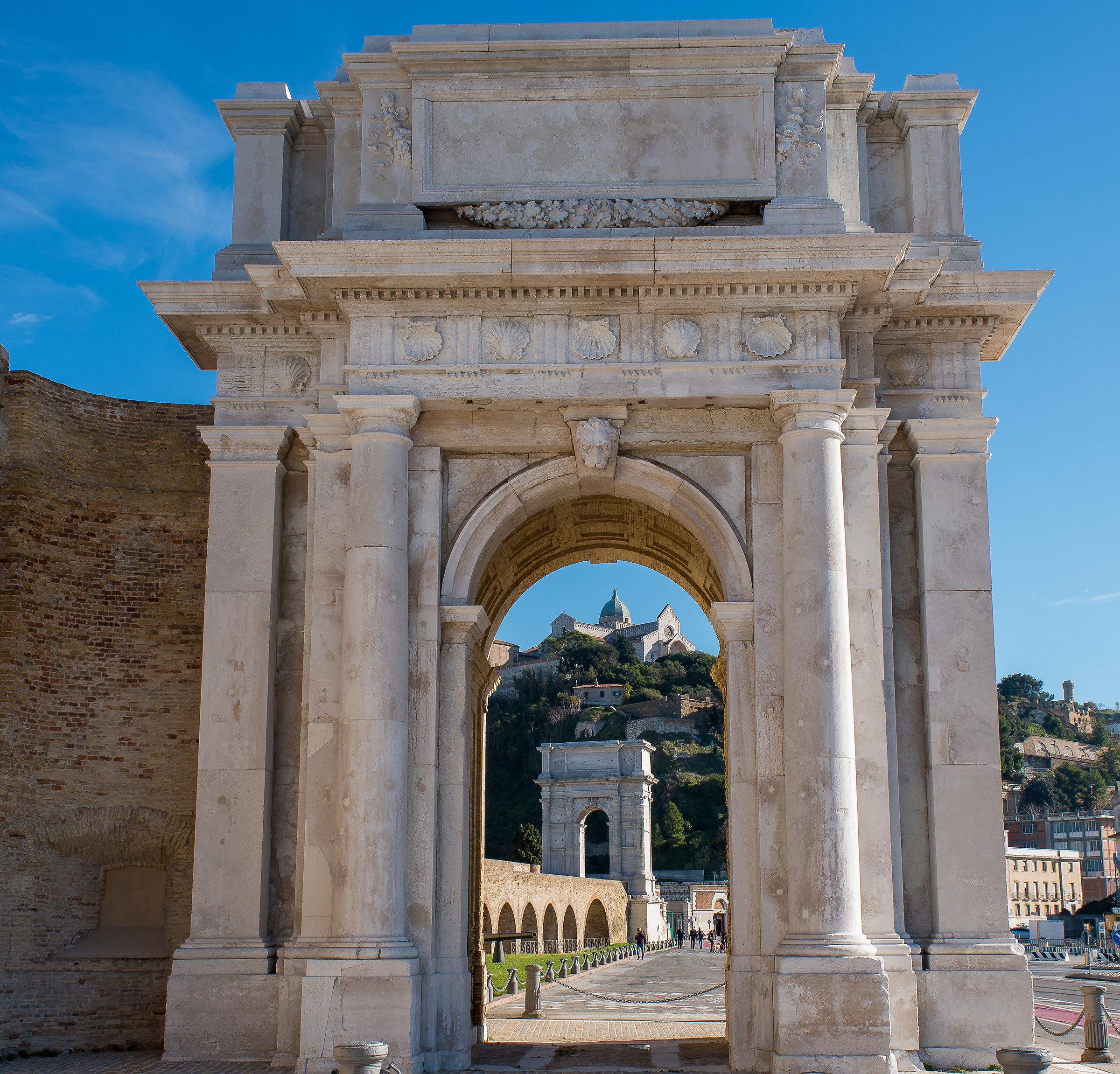 Arco Clementino, Arco Traiano, Duomo dal Porto Antico...