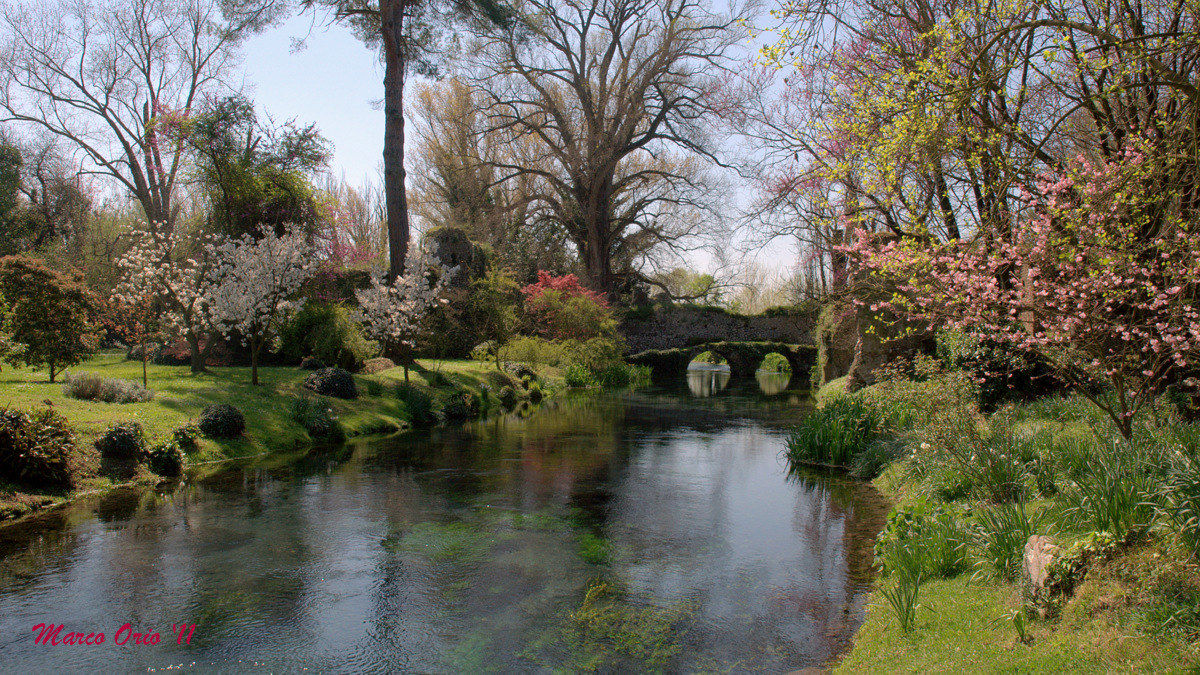 Ninfa Gardens (LT)...