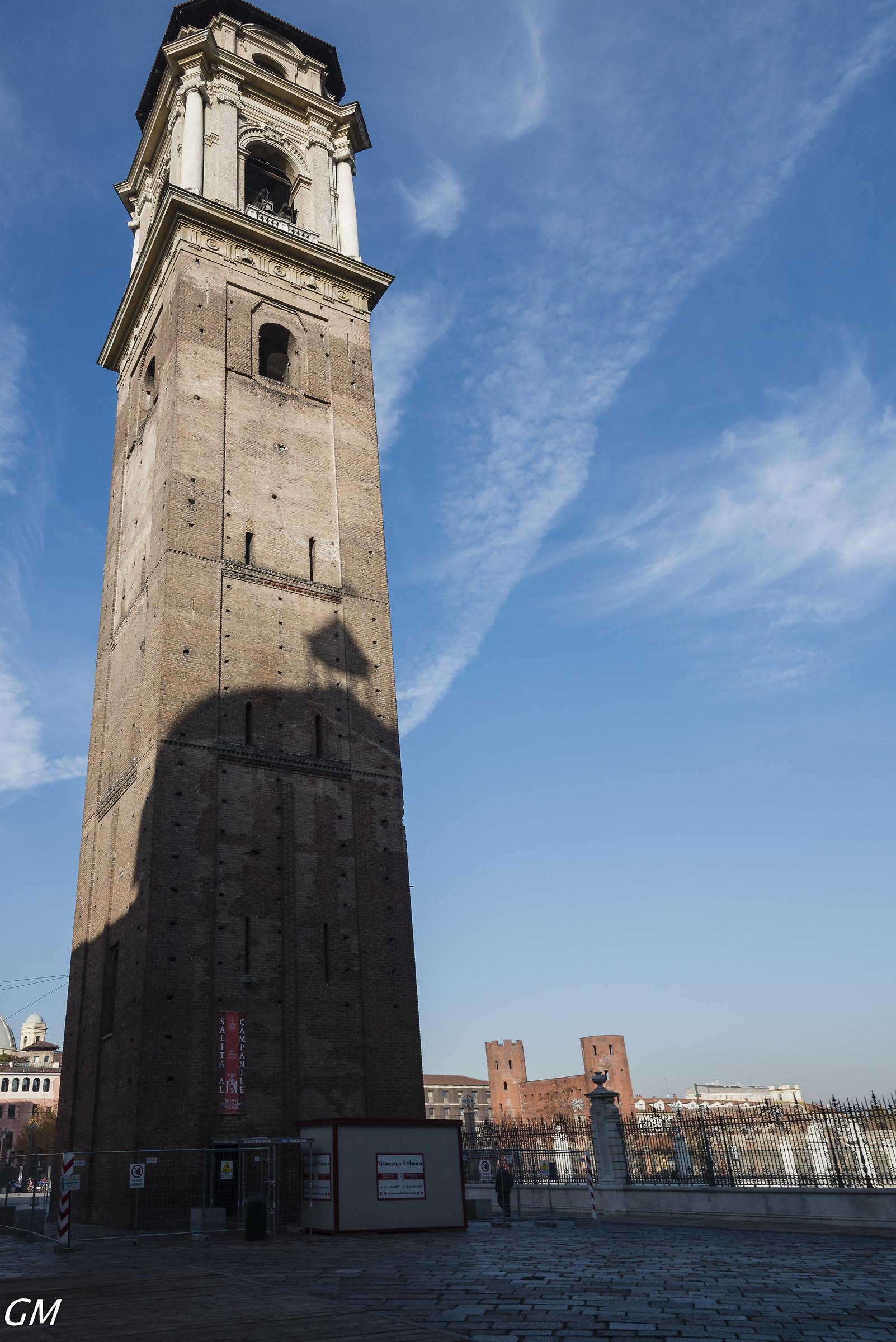 Torre campanaria del duomo di Torino...