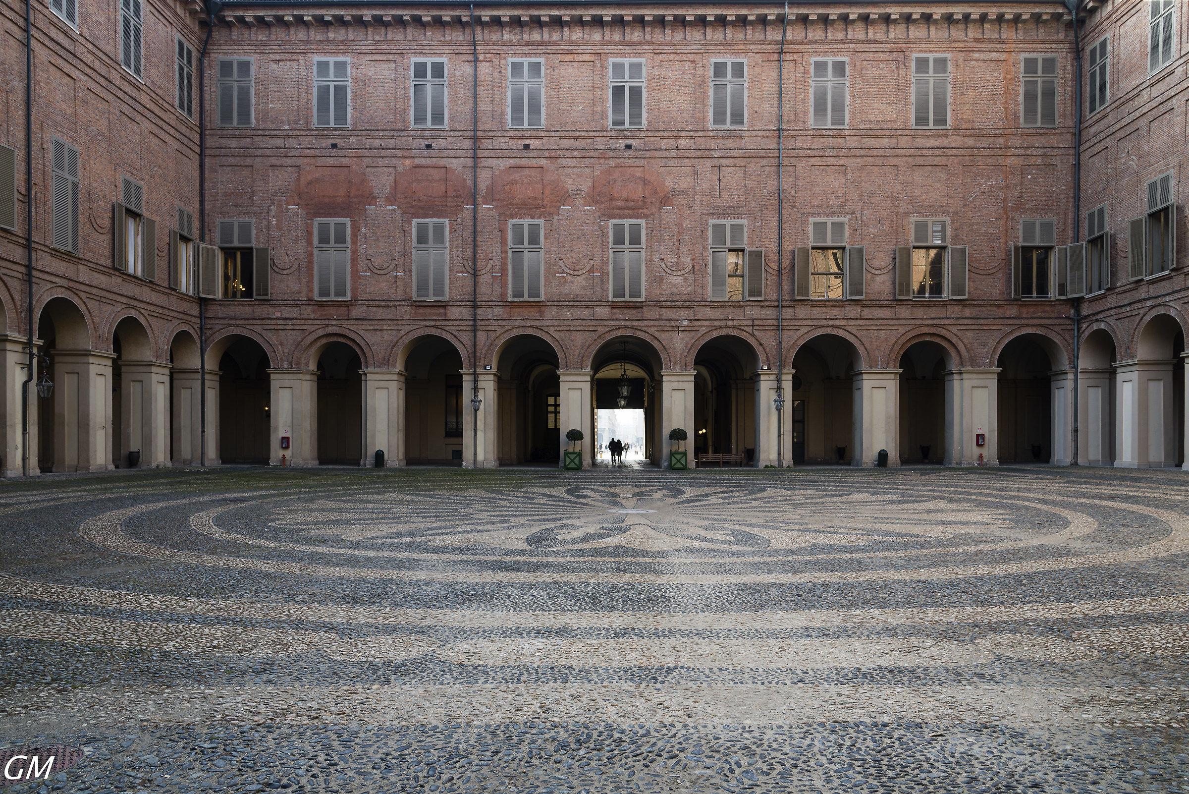 Torino - Cortile interno di Palazzo Reale...