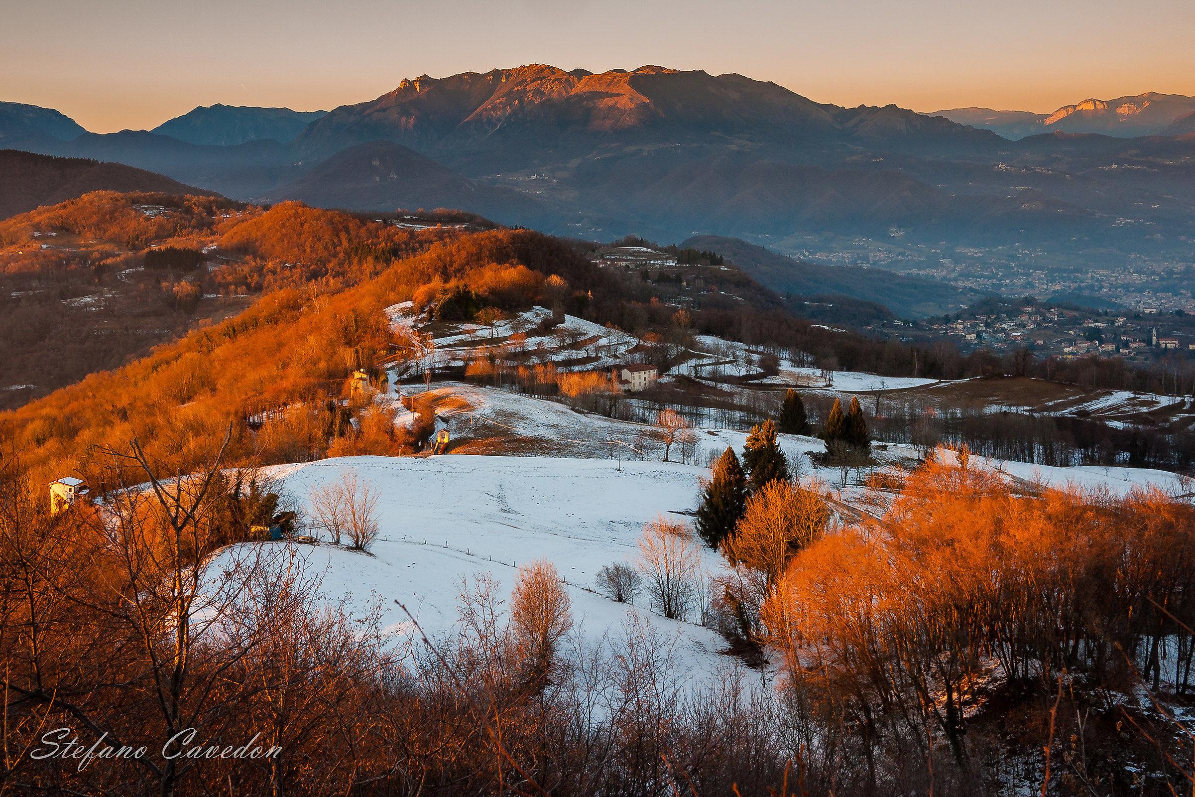 Tramonto sulle colline di Monte di Malo...