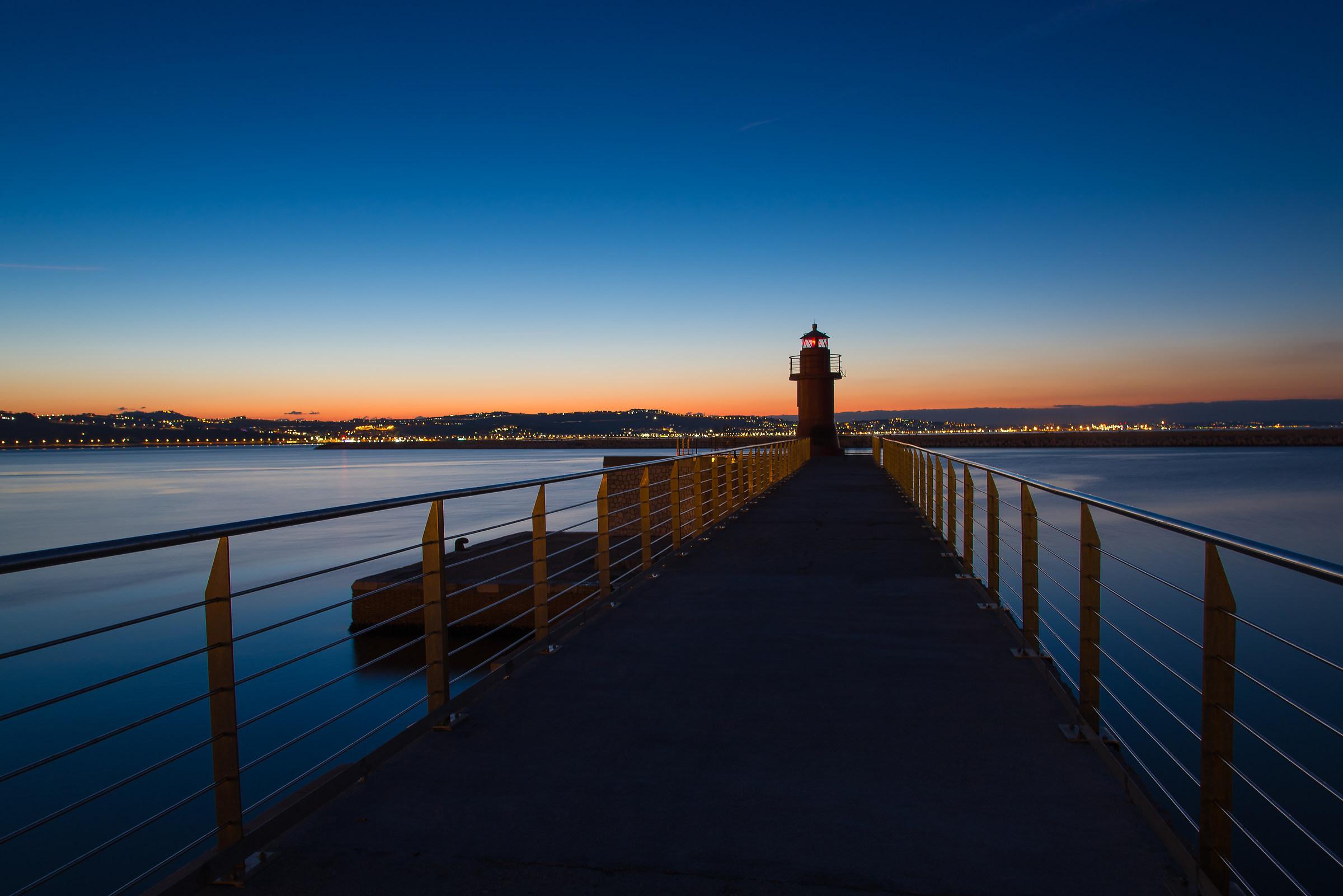 Lanterna Rossa Porto Antico Ancona...