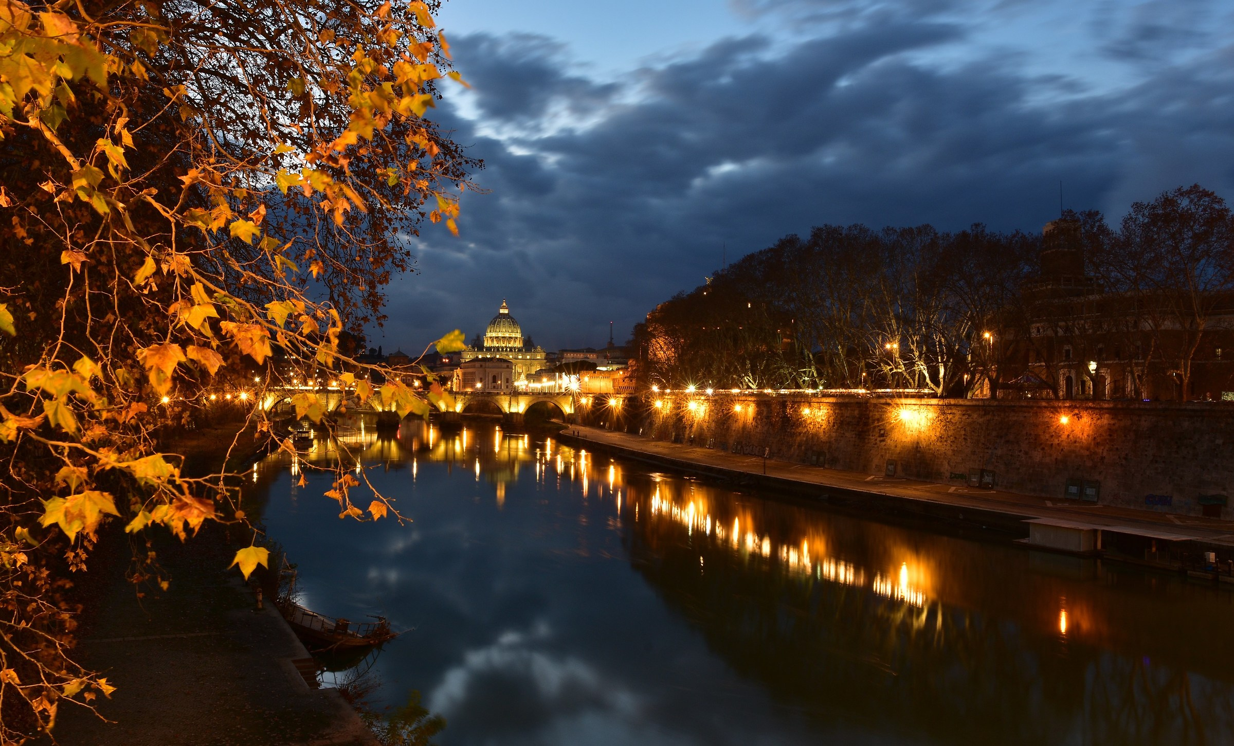 Nocturne on the Lungotevere San Pietro...