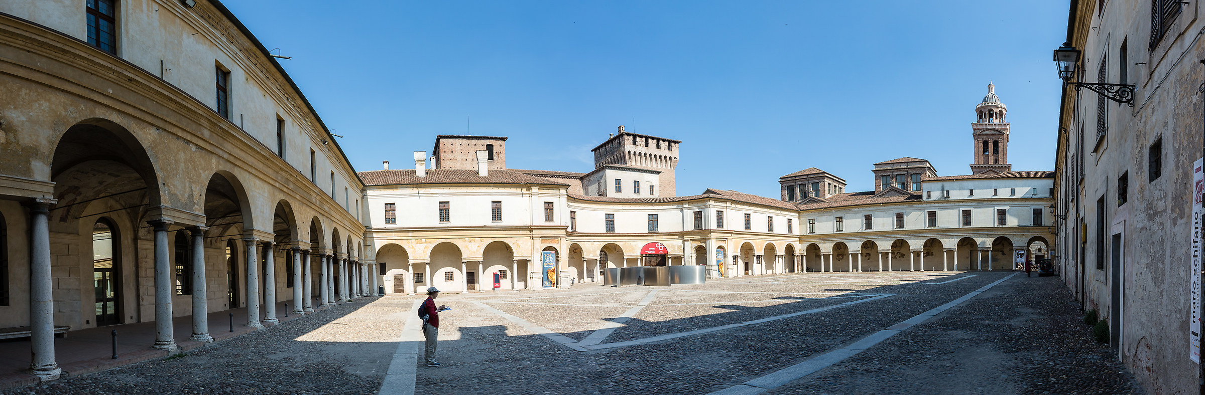 Mantua and its courts...