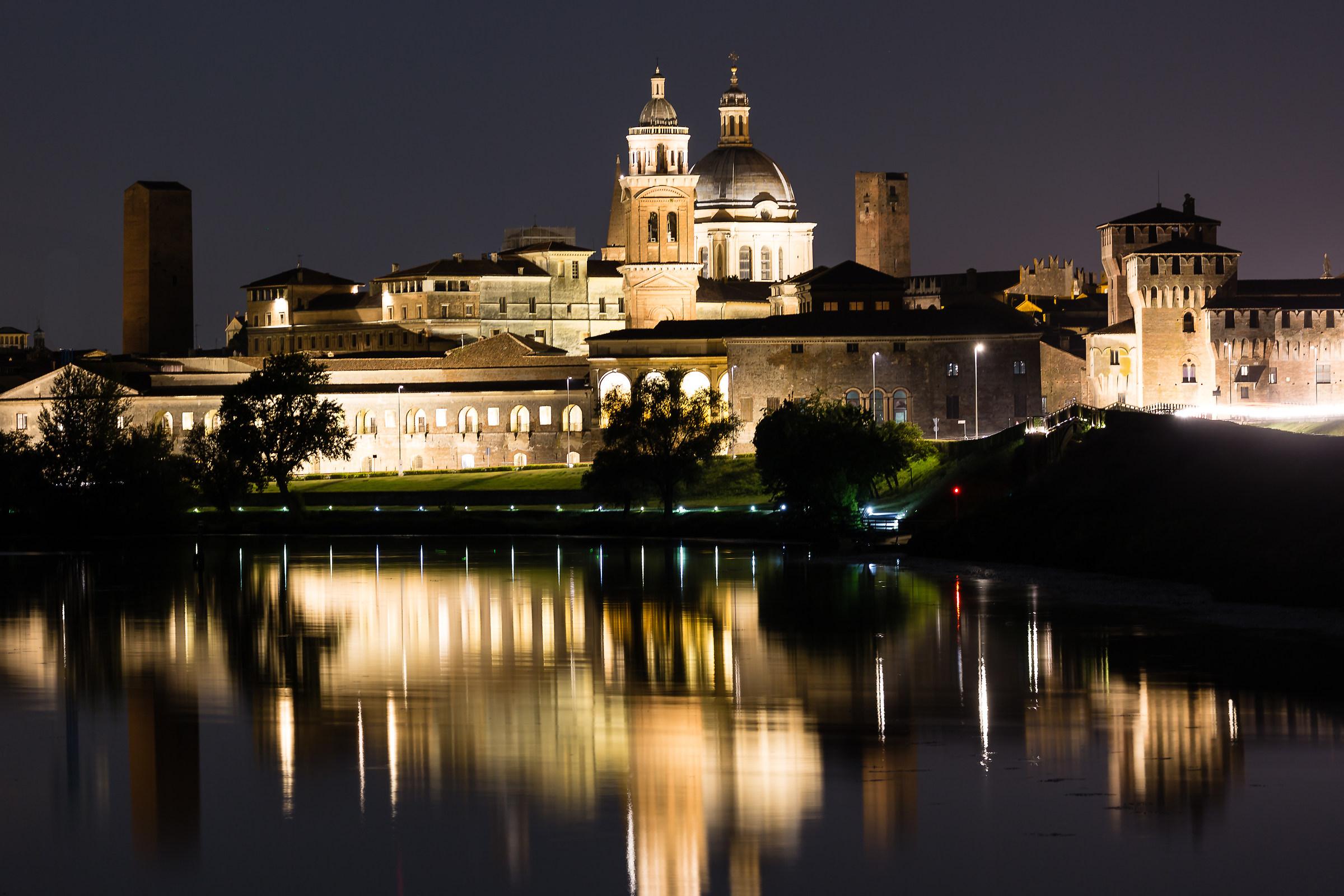 Mantua and its river...