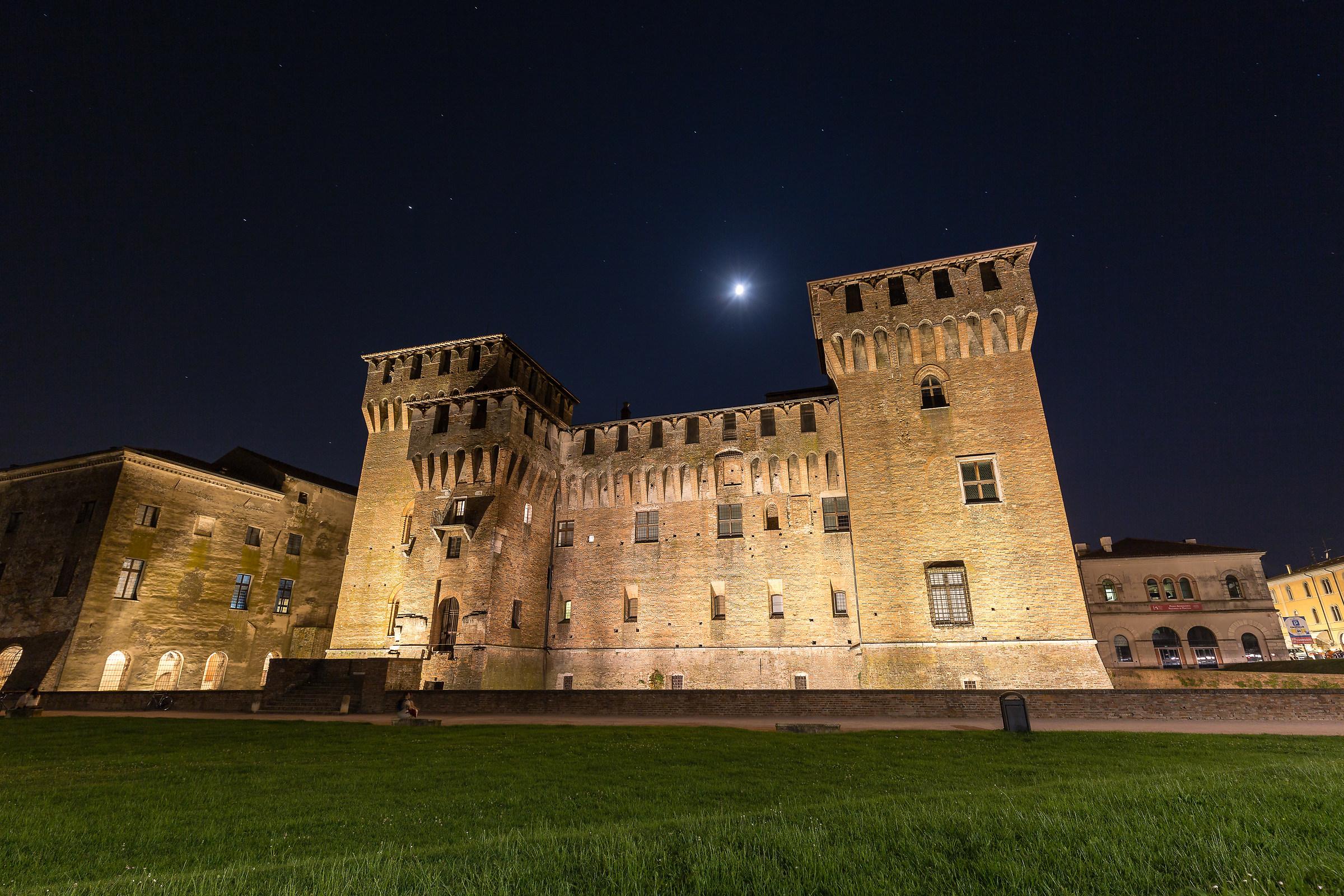 Mnatova and his castle...