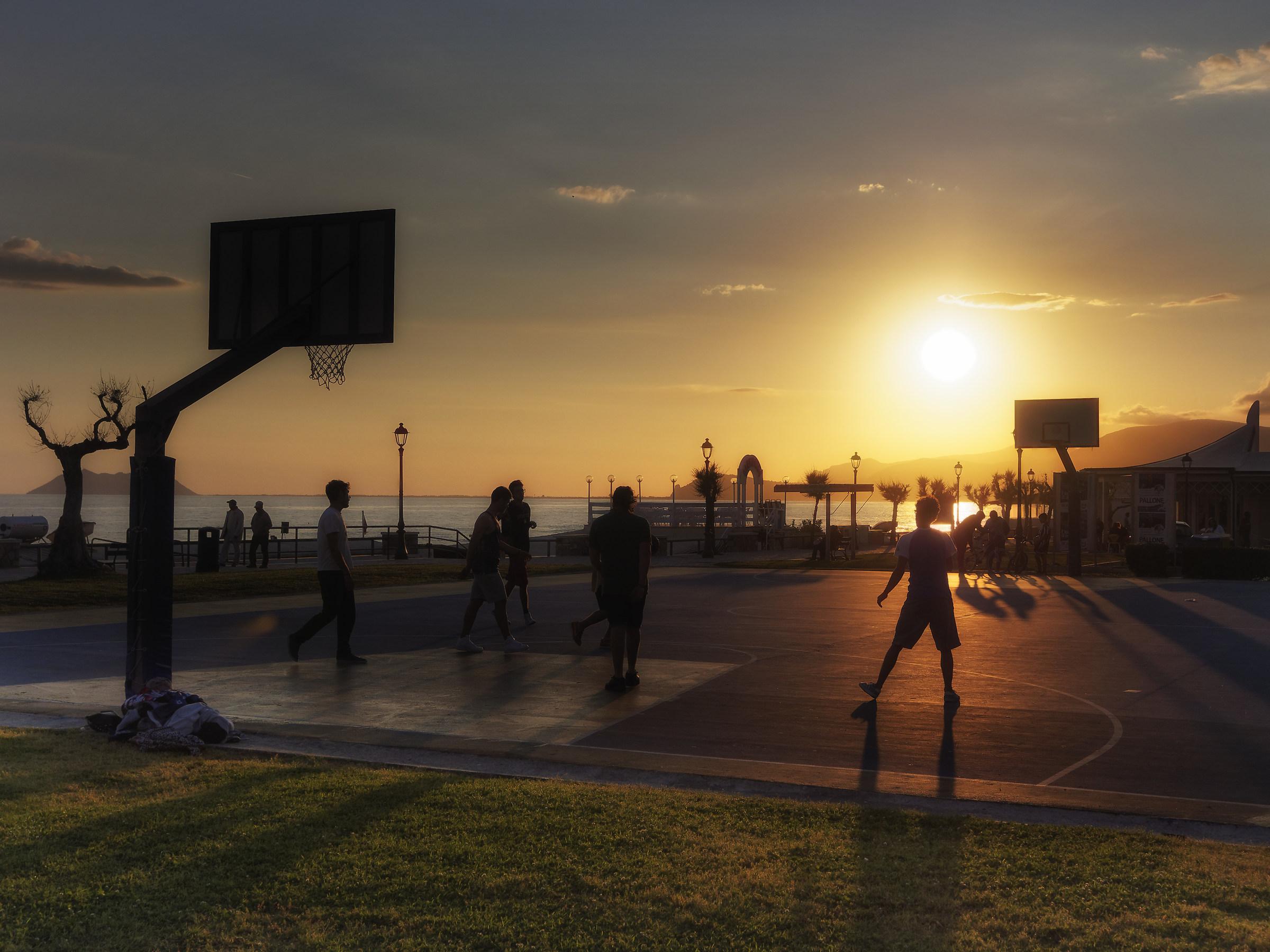 Sun & basket...