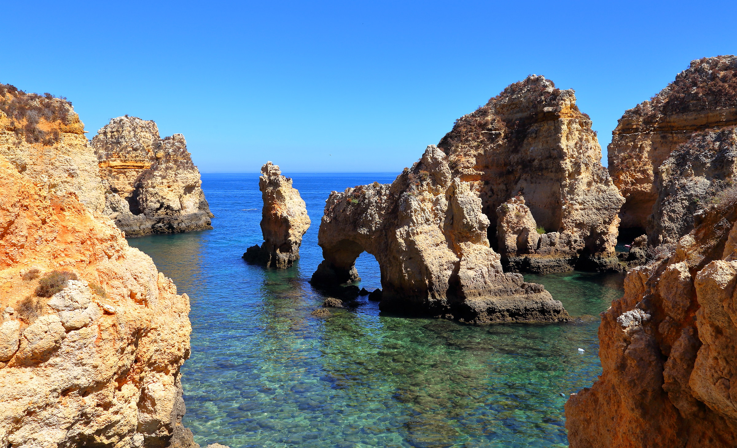 The colors of Ponta da Piedade...