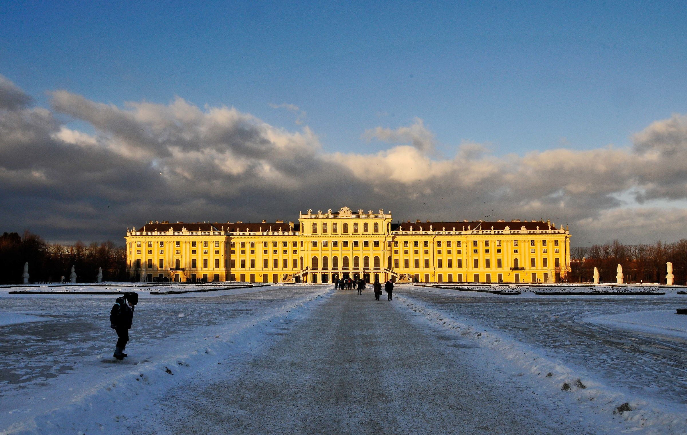 palace of schonbrunn...
