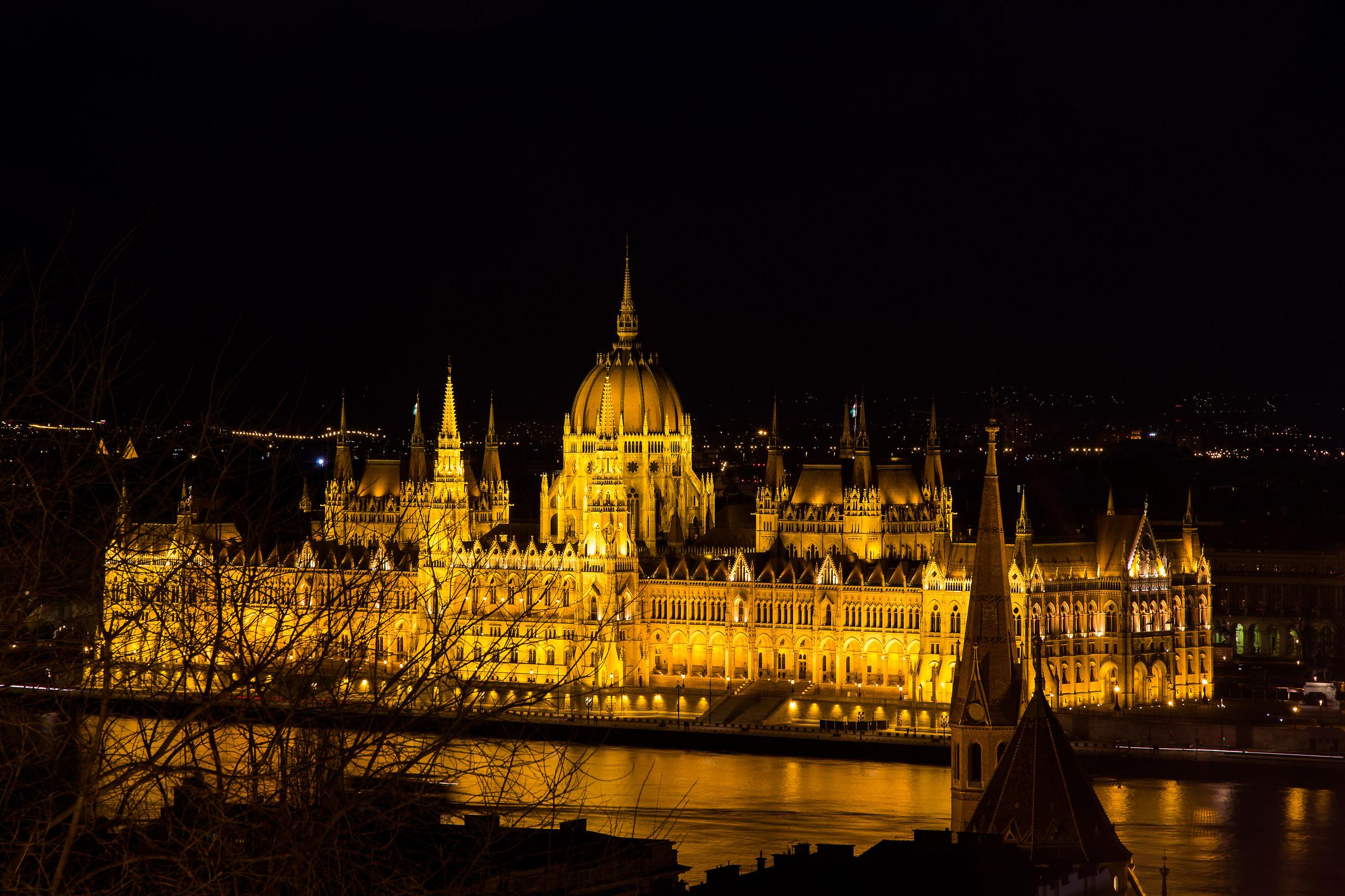 Budapest, Parlamento...