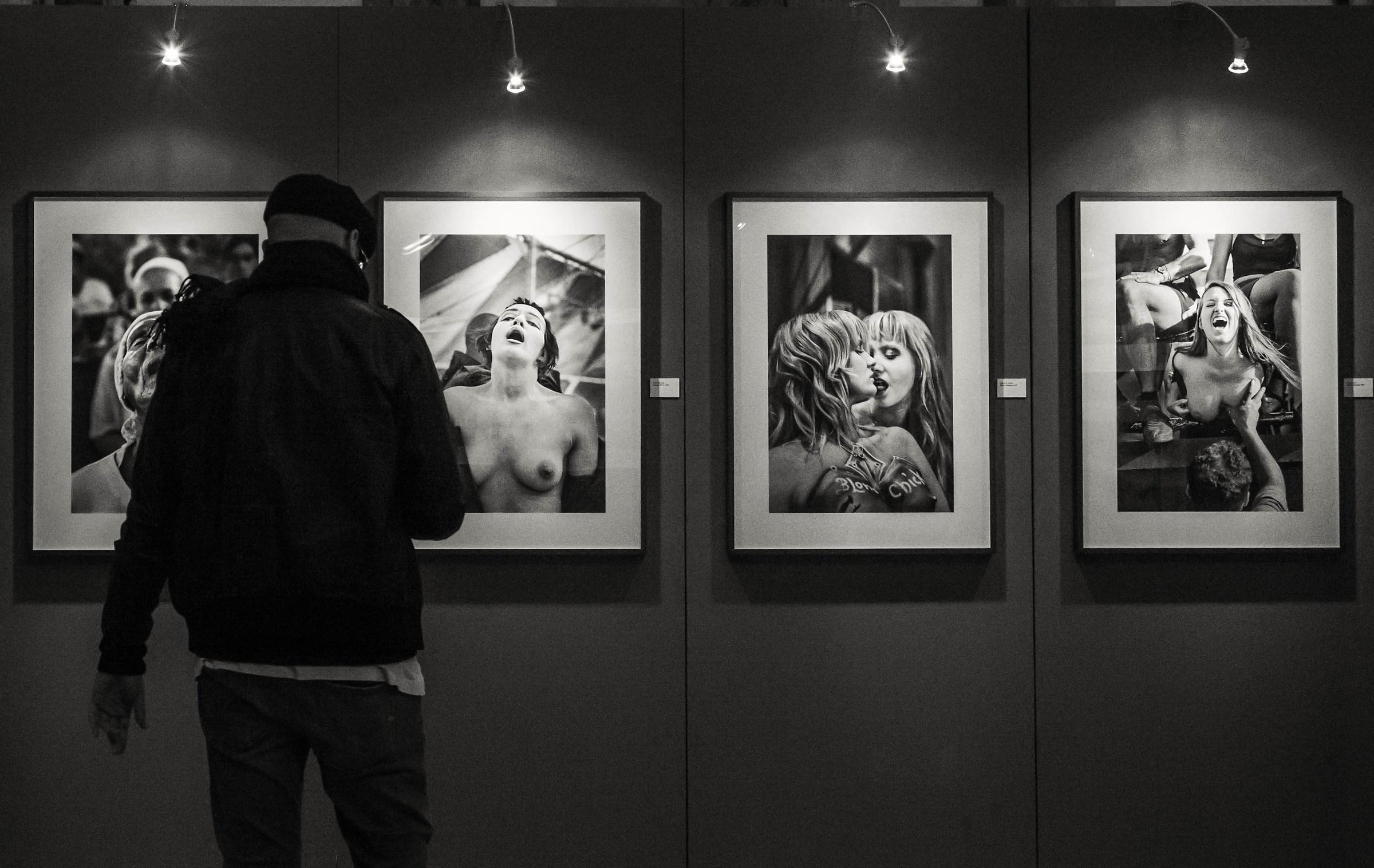 """""""With boca abierta"""" exhibition by Cristina Garcìa Rodero..."""