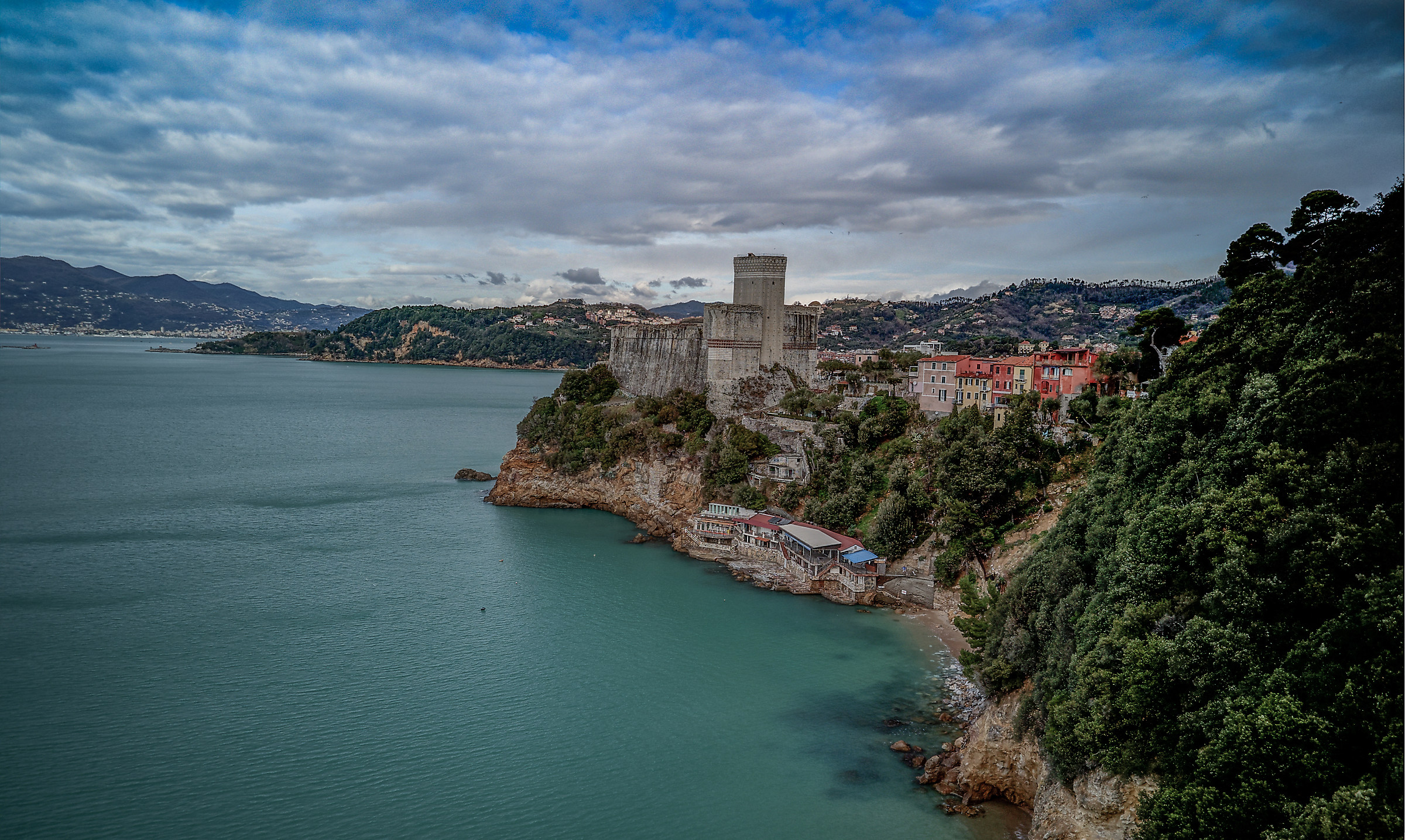 Castle of Lerici from the sky ......