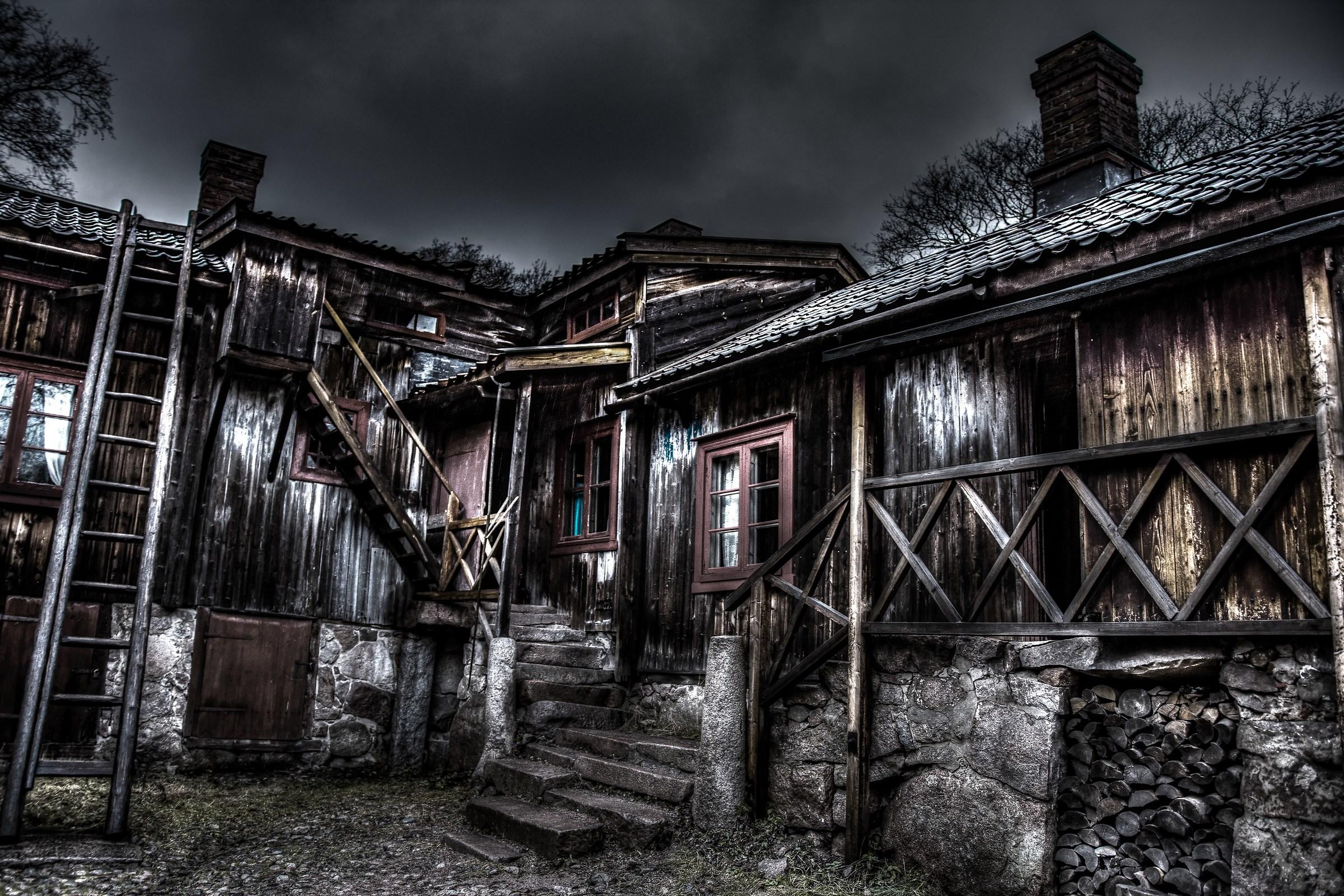 Old row house...