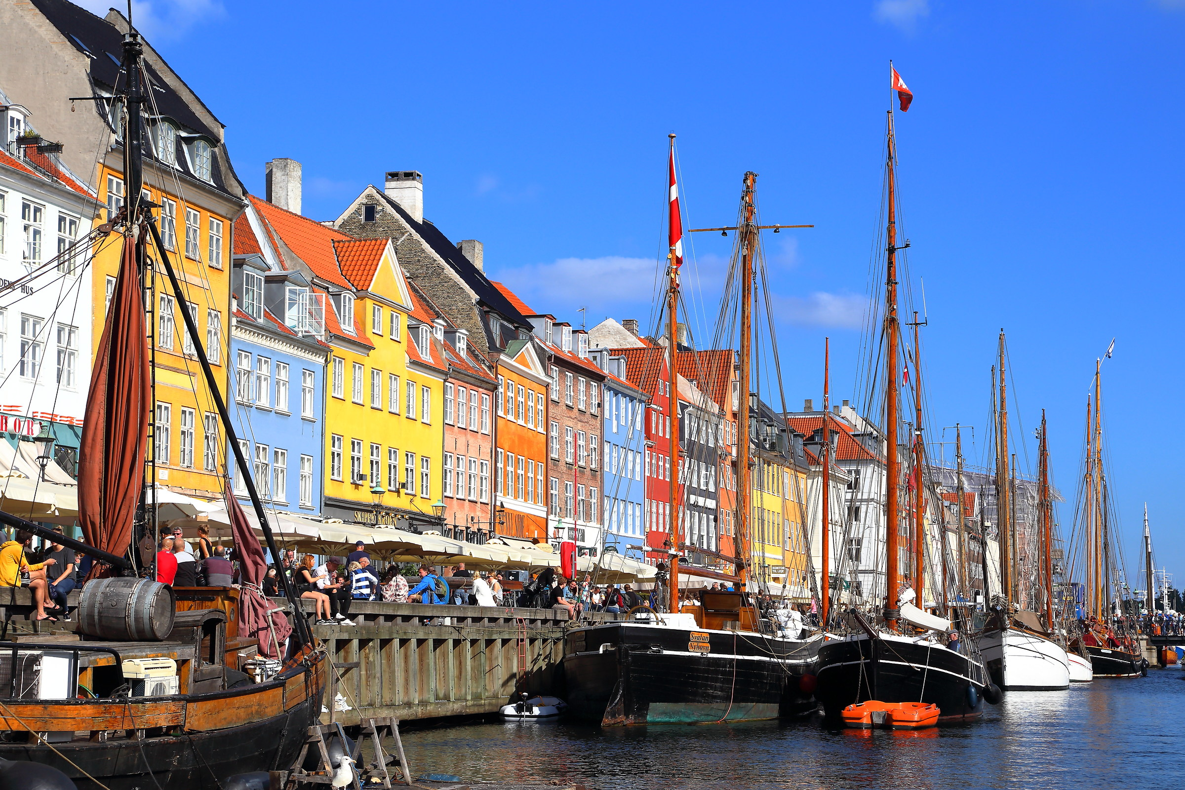 The colors of Nyhavn...