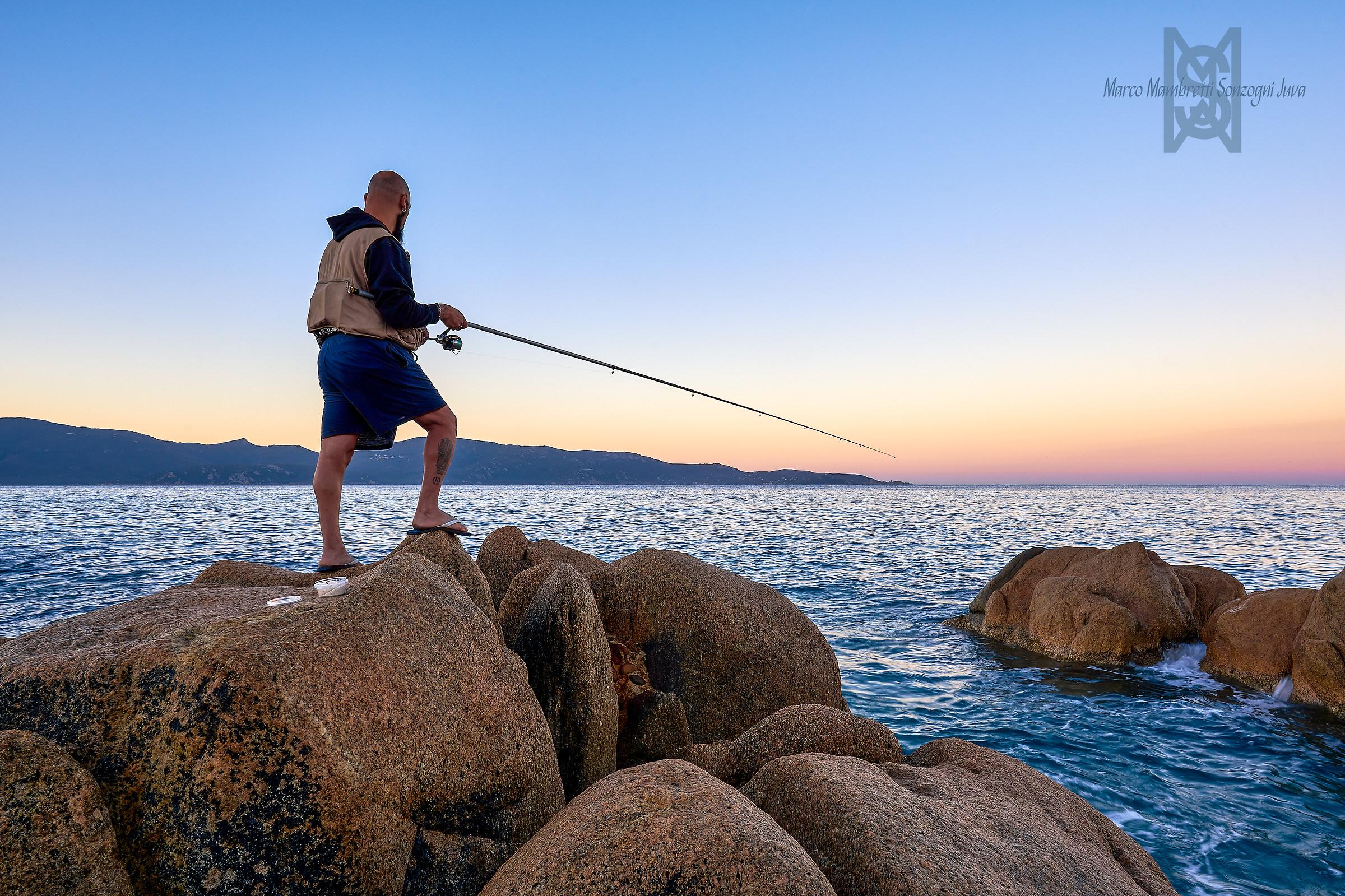 Pescatore di giorno...