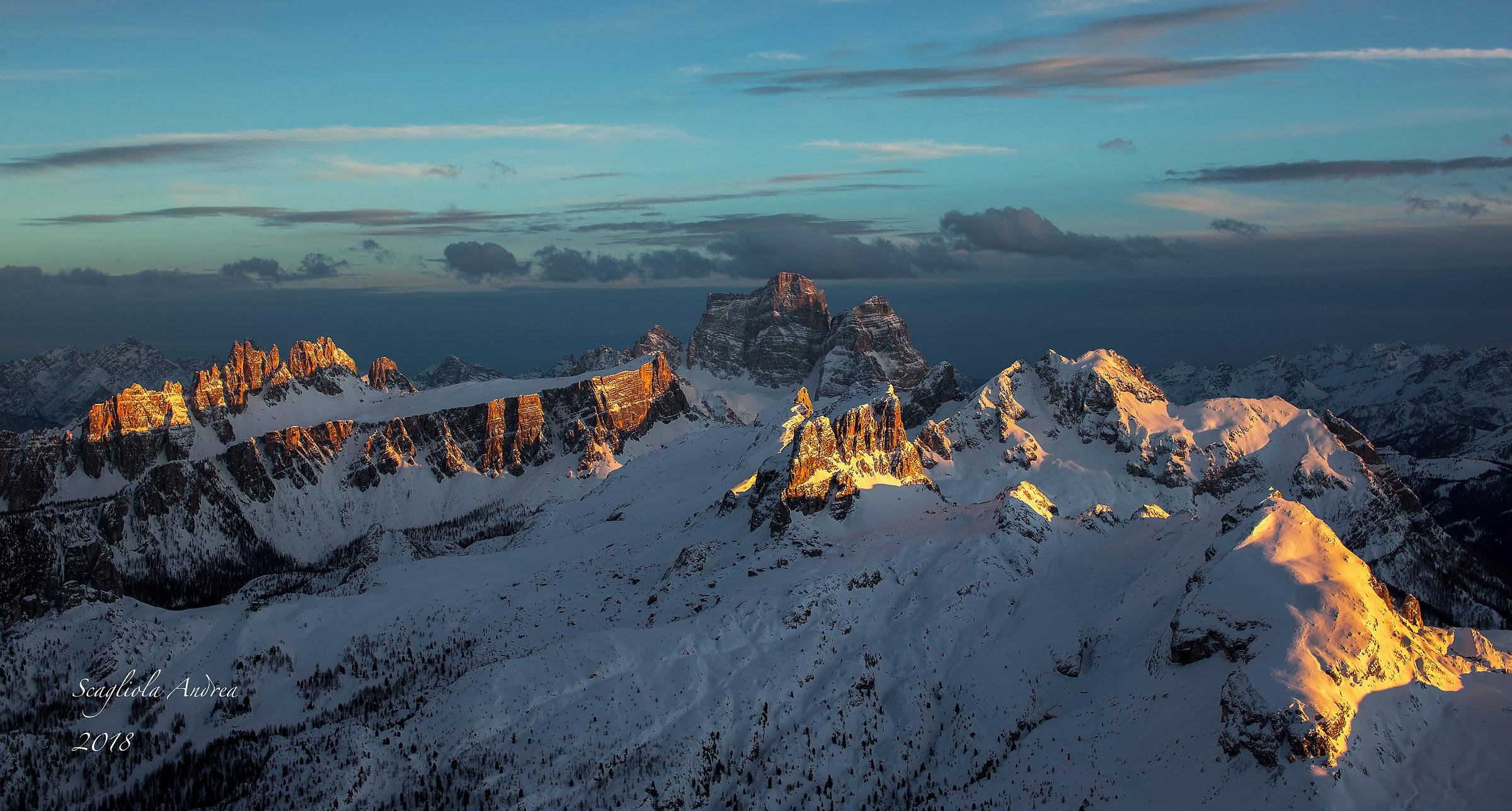 Last lights on the Dolomites!...