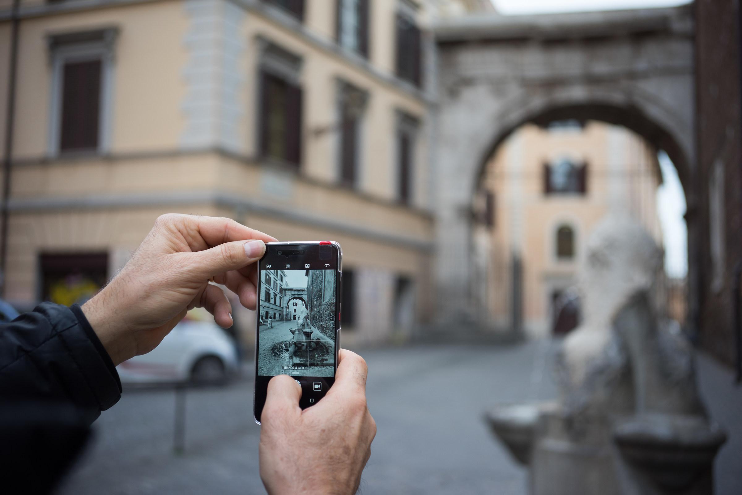 Roma sfocata. L'arco di Gallieno...
