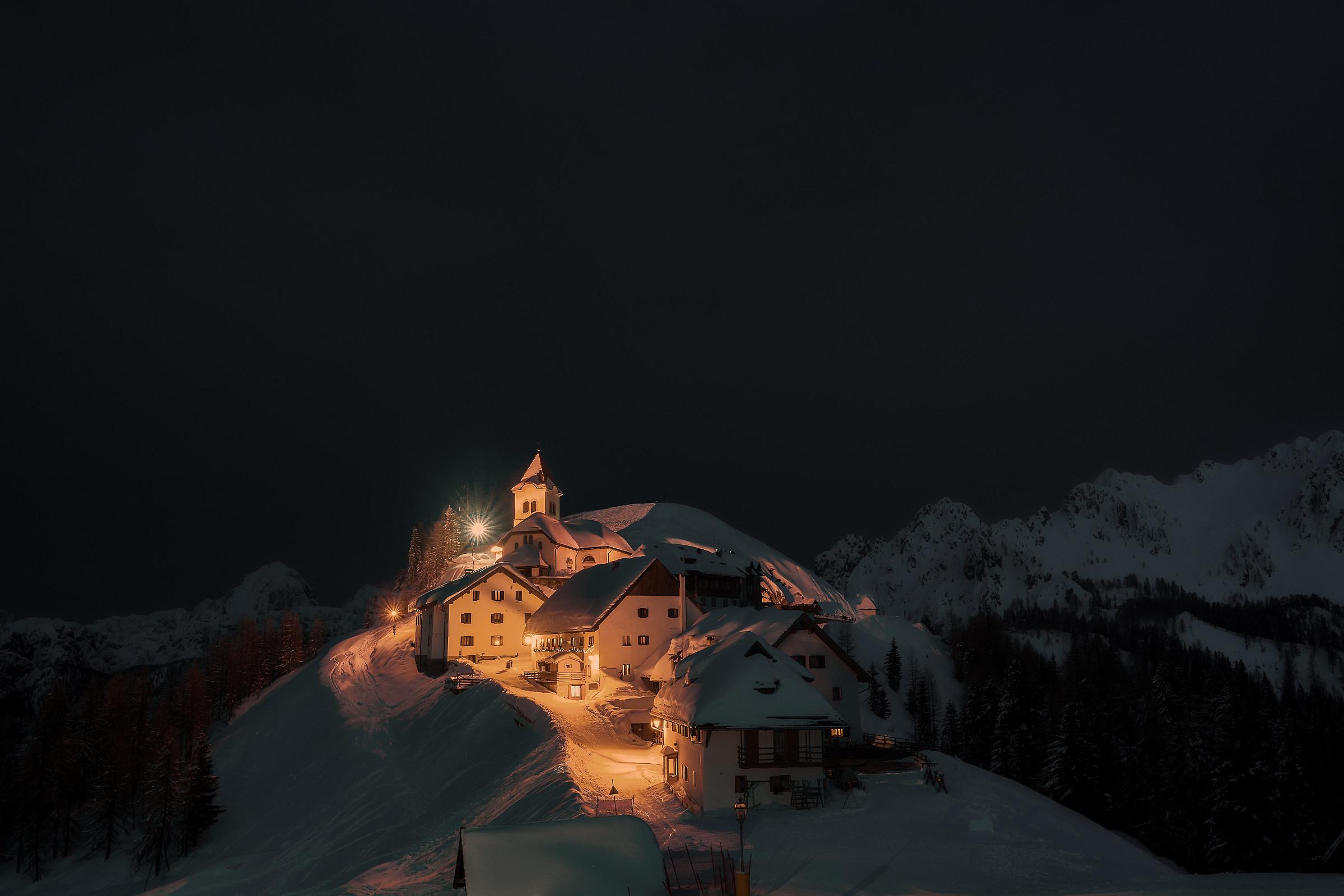 Arriva la notte sul Lussari...