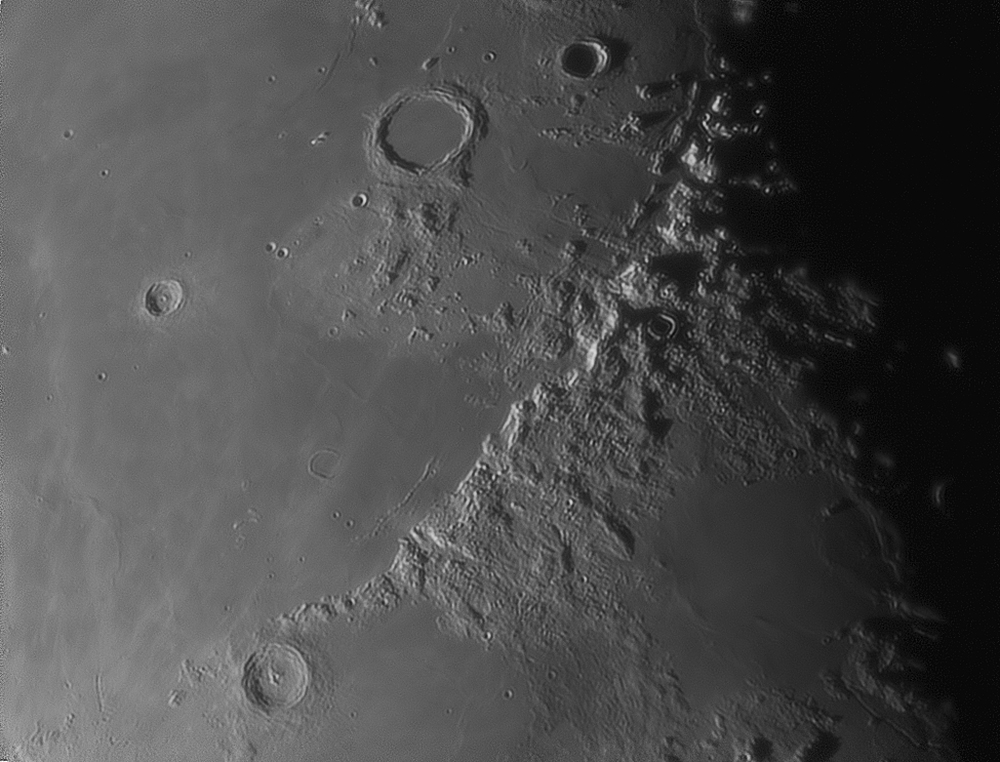 Montes Apenninus...