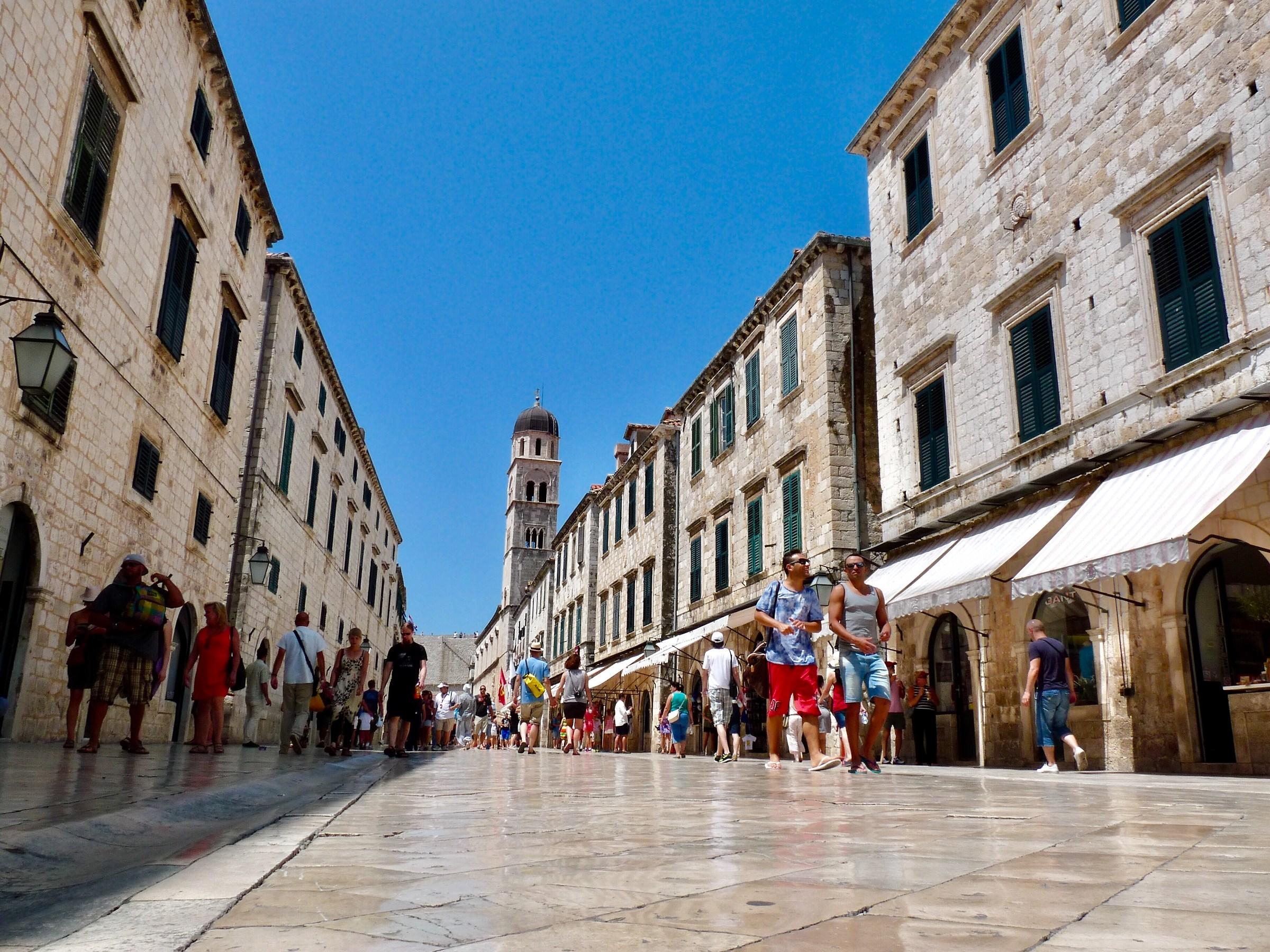 Dubrovnik. The <Stradun>!...