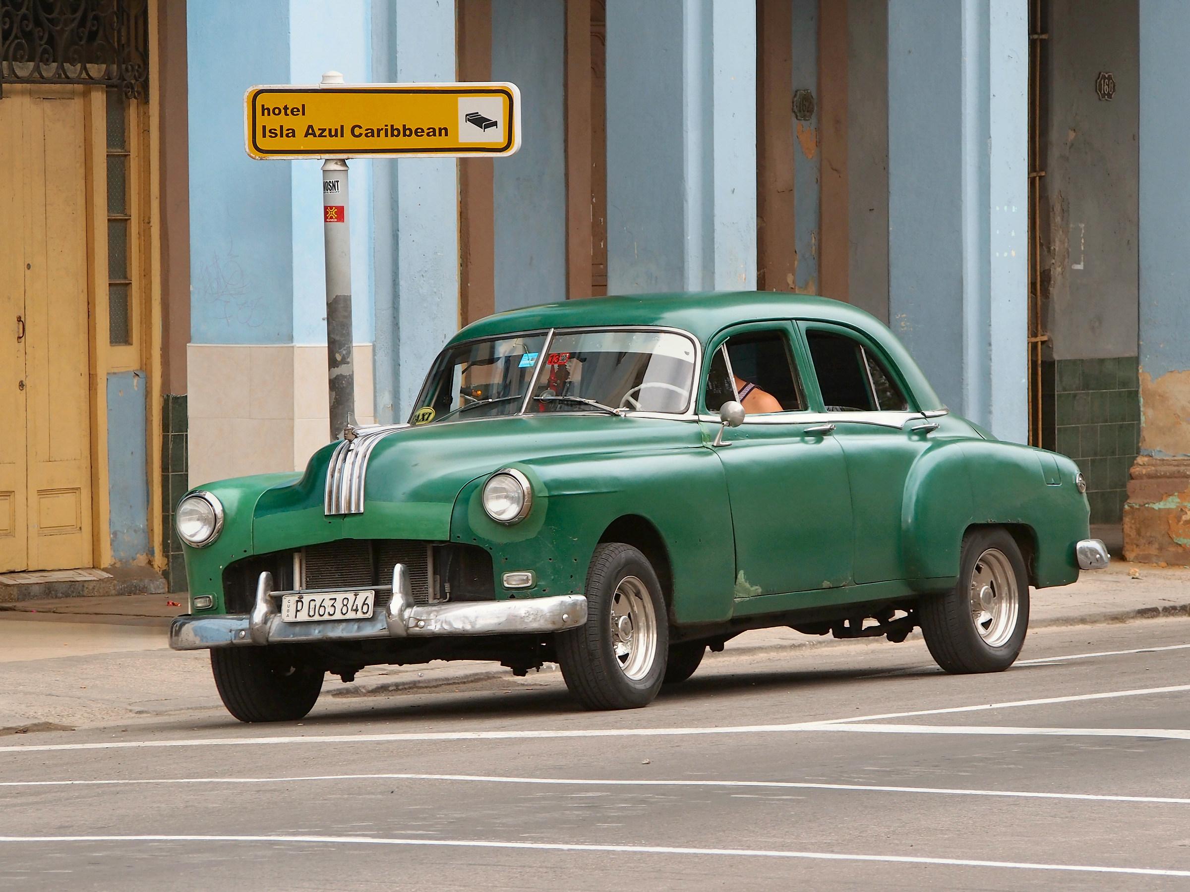 Cuba 08 cars...