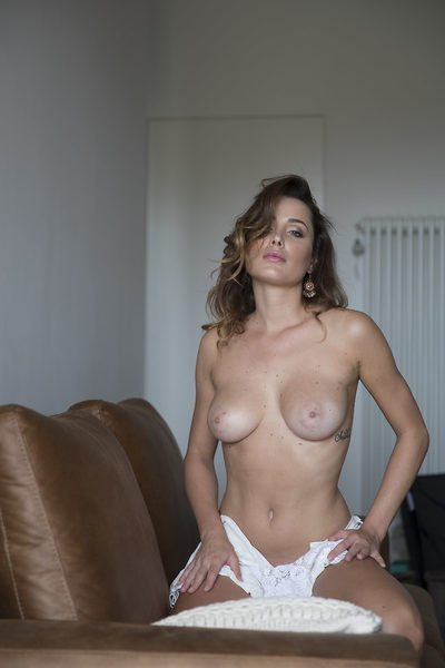 Naked mature grey haired ladies