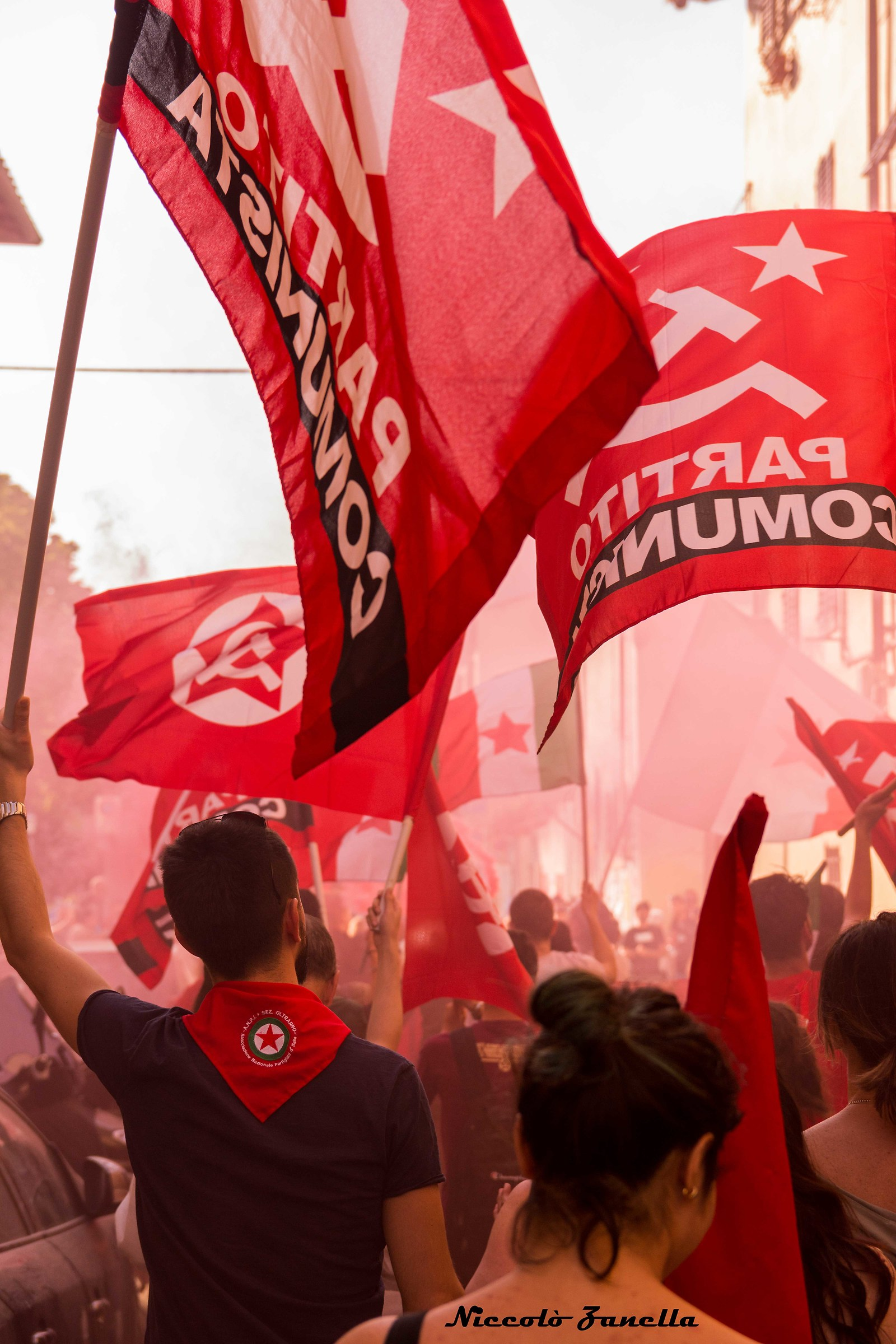 Bandiera rossa...