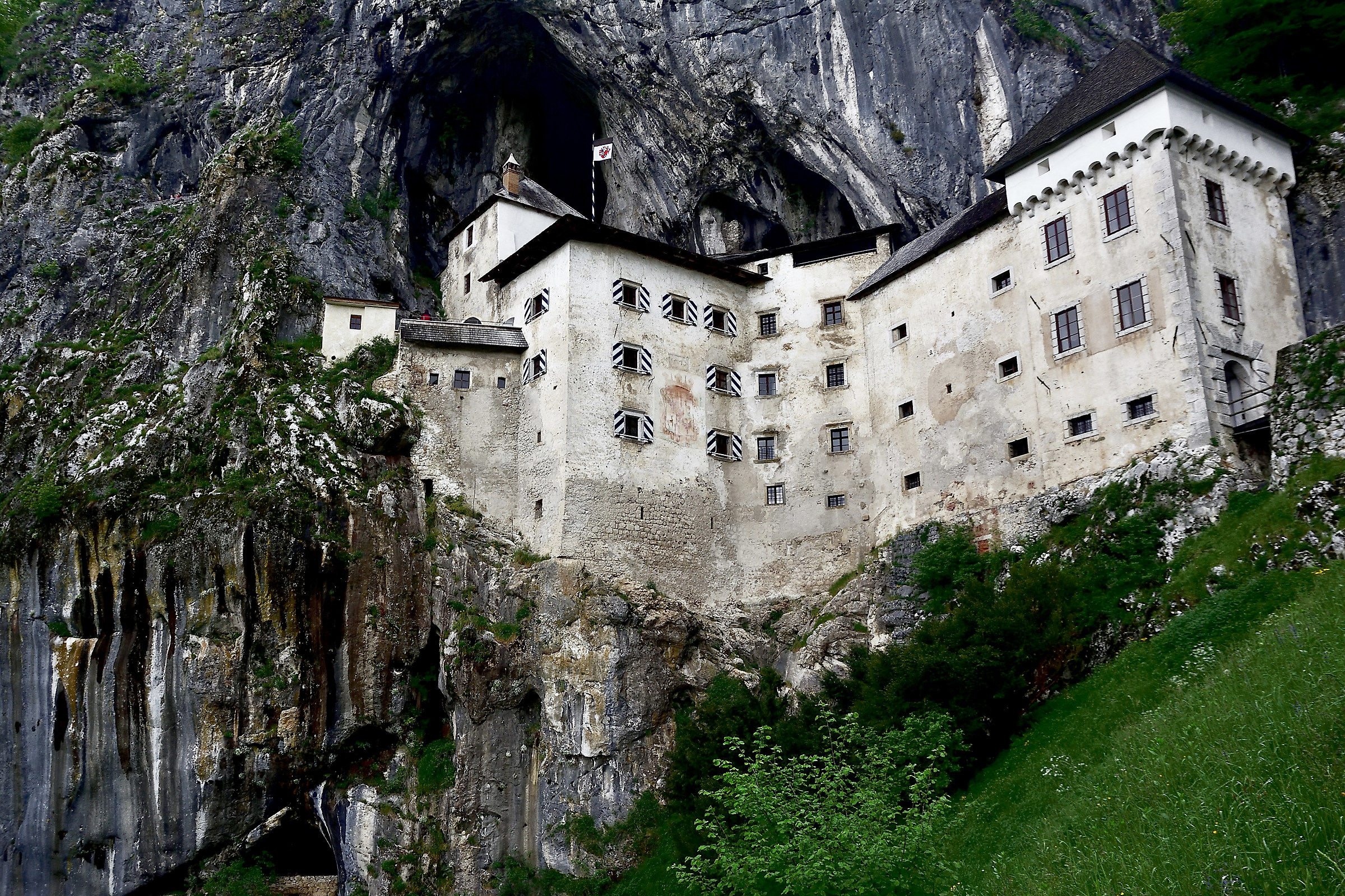 Castel Lueghi...